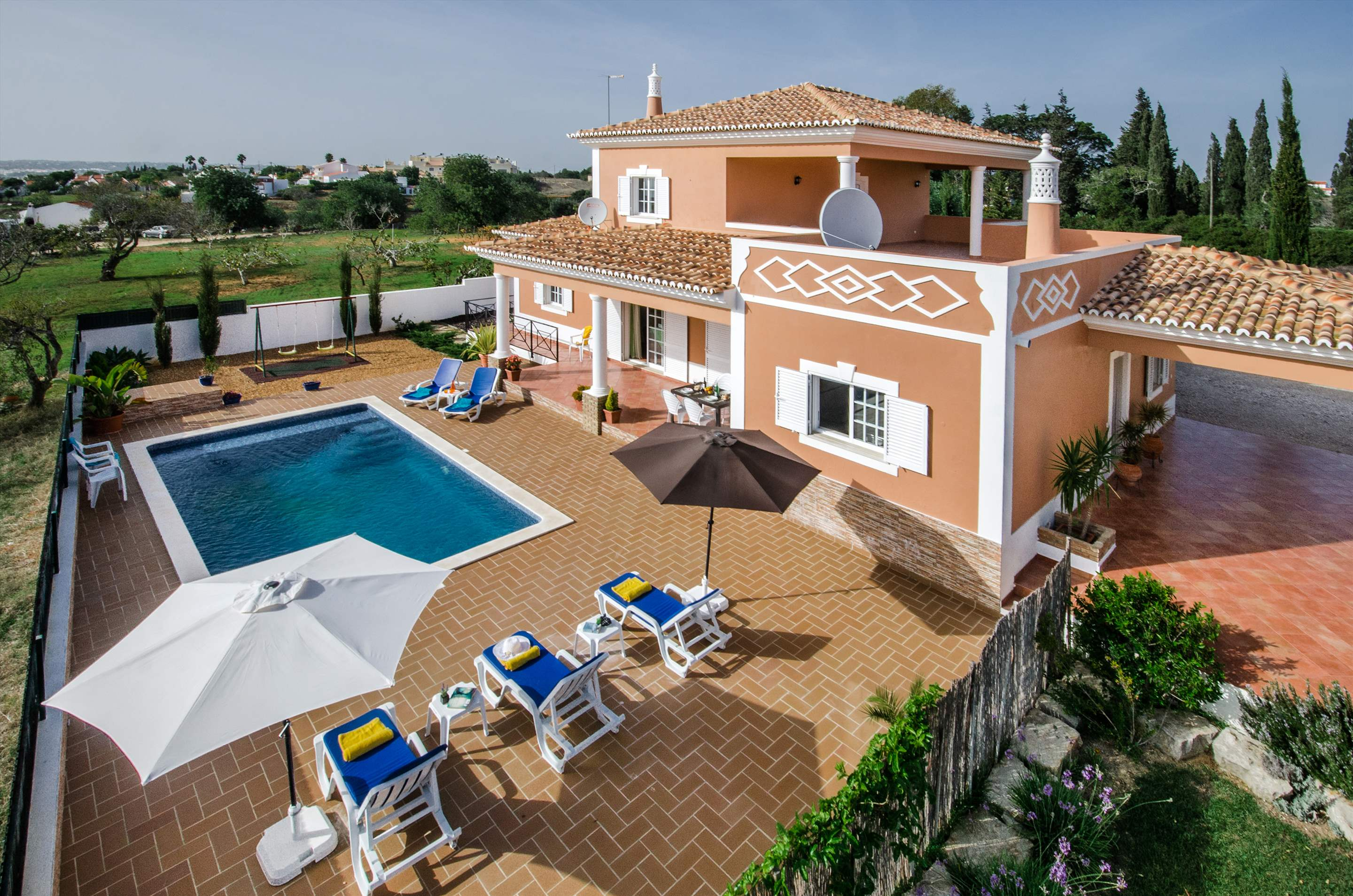 Casa Laura, 3 bedroom villa in Gale, Vale da Parra and Guia, Algarve Photo #2