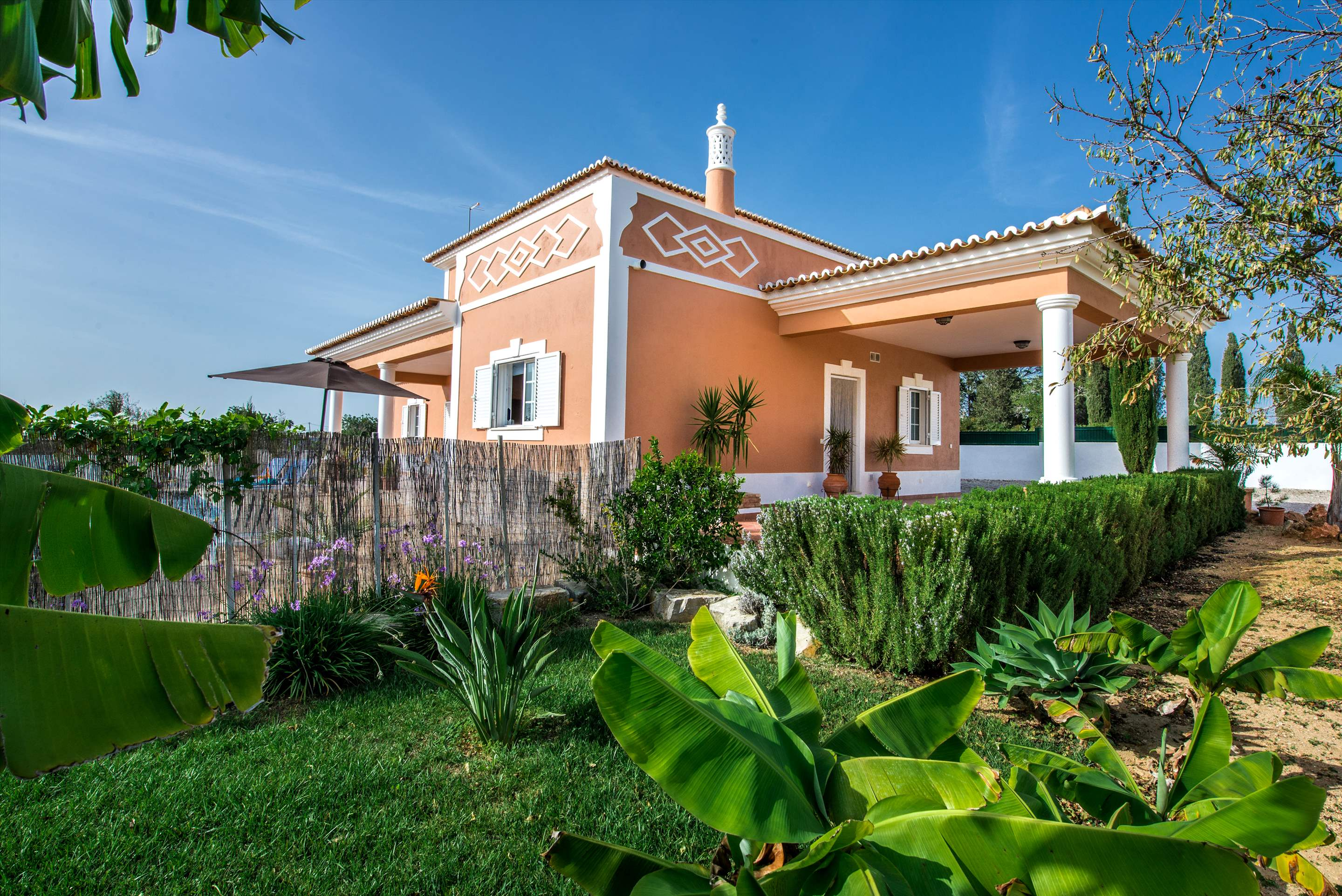 Casa Laura, 3 bedroom villa in Gale, Vale da Parra and Guia, Algarve Photo #26