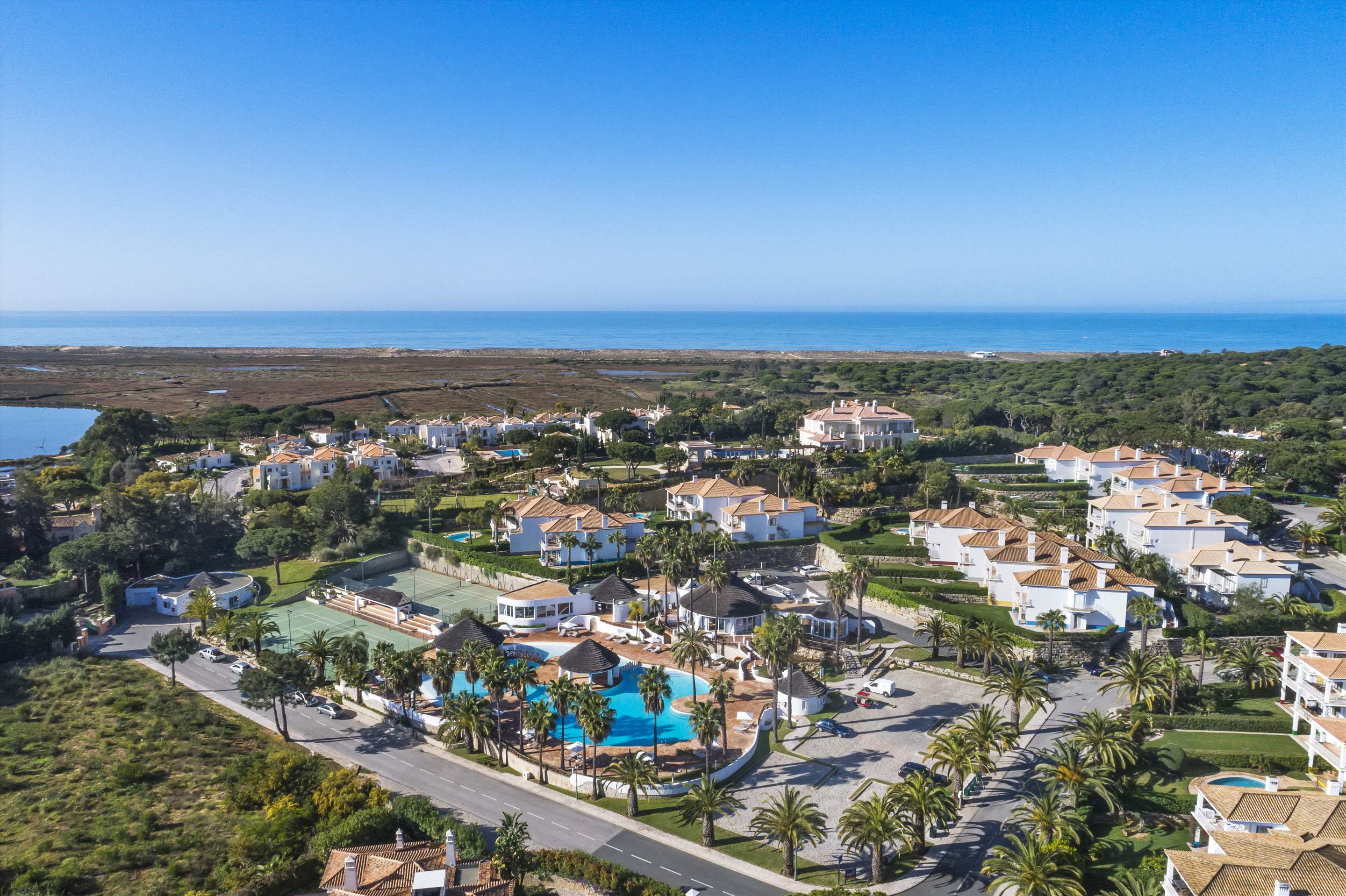 Encosta do Lago 1 Bedroom Apt, Top Floor, 1 bedroom apartment in Encosta do Lago Resort, Algarve Photo #25