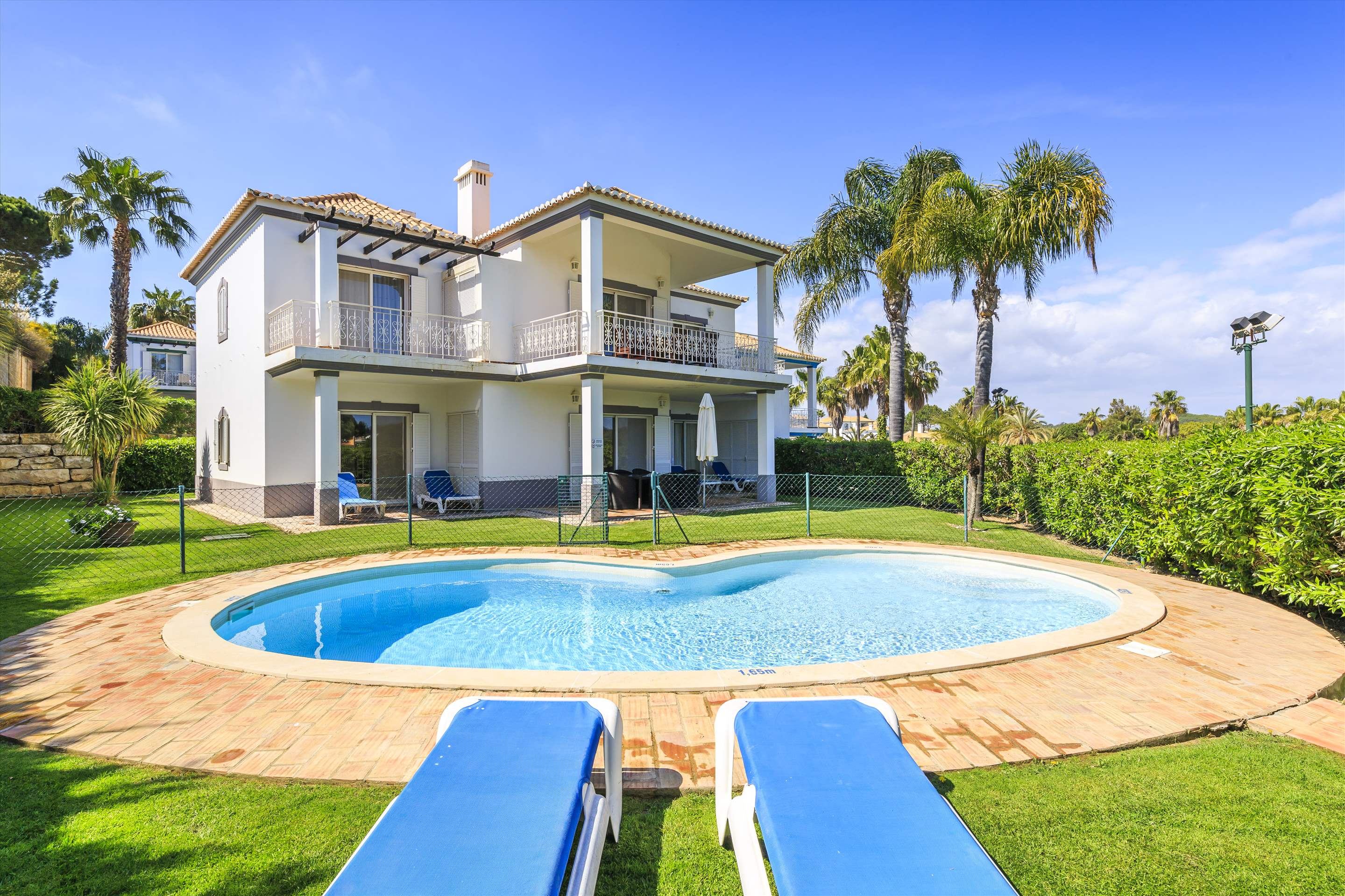 Encosta do Lago 2 Bedroom Apt, Private Pool, 2 bedroom apartment in Encosta do Lago Resort, Algarve Photo #1