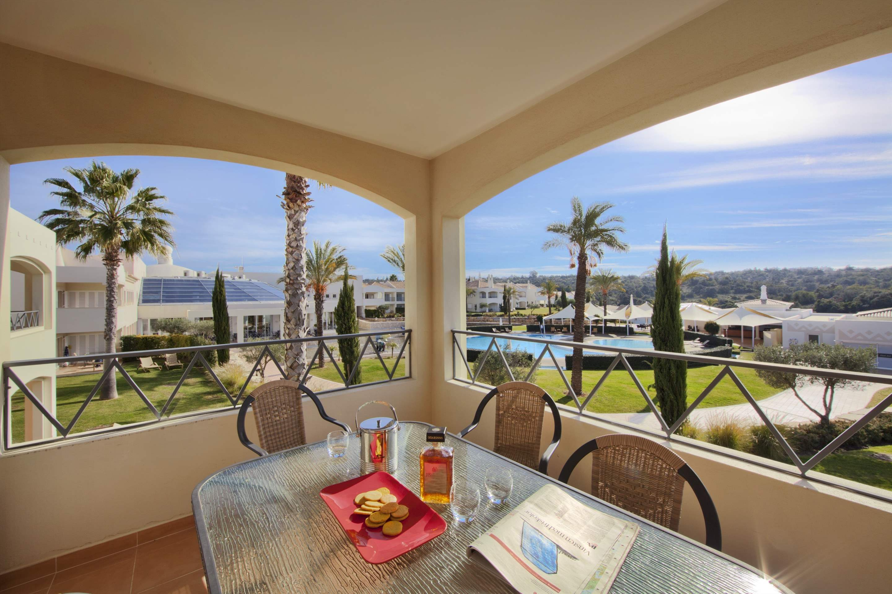 Vale d'Oliveiras 2 Bed Suite Pool View , Self Catering, 2 bedroom apartment in Vale d'Oliveiras Resort & Spa, Algarve