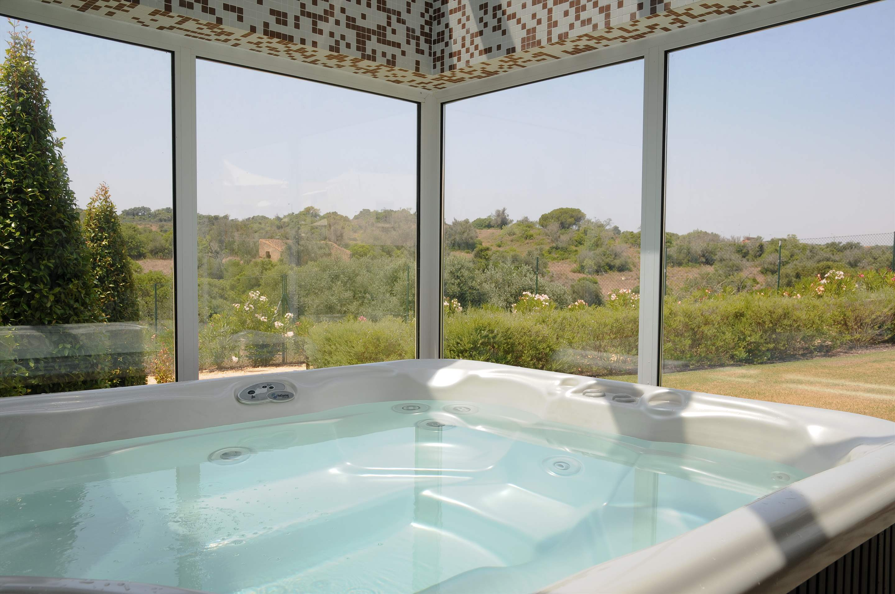 Vale d'Oliveiras 2 Bed Suite Pool View , Self Catering, 2 bedroom apartment in Vale d'Oliveiras Resort & Spa, Algarve Photo #13