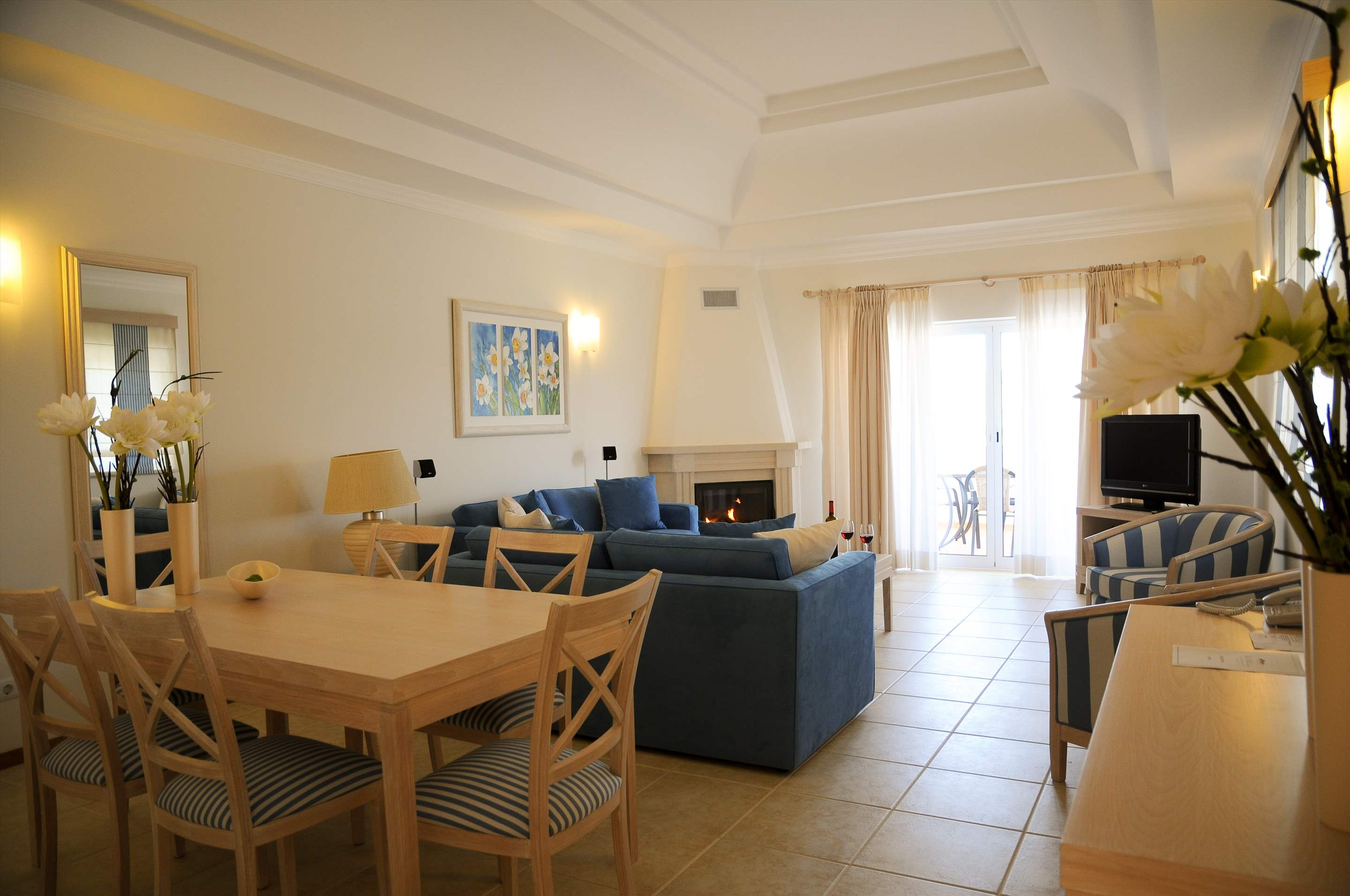 Vale d'Oliveiras 2 Bed Suite Pool View , Self Catering, 2 bedroom apartment in Vale d'Oliveiras Resort & Spa, Algarve Photo #7