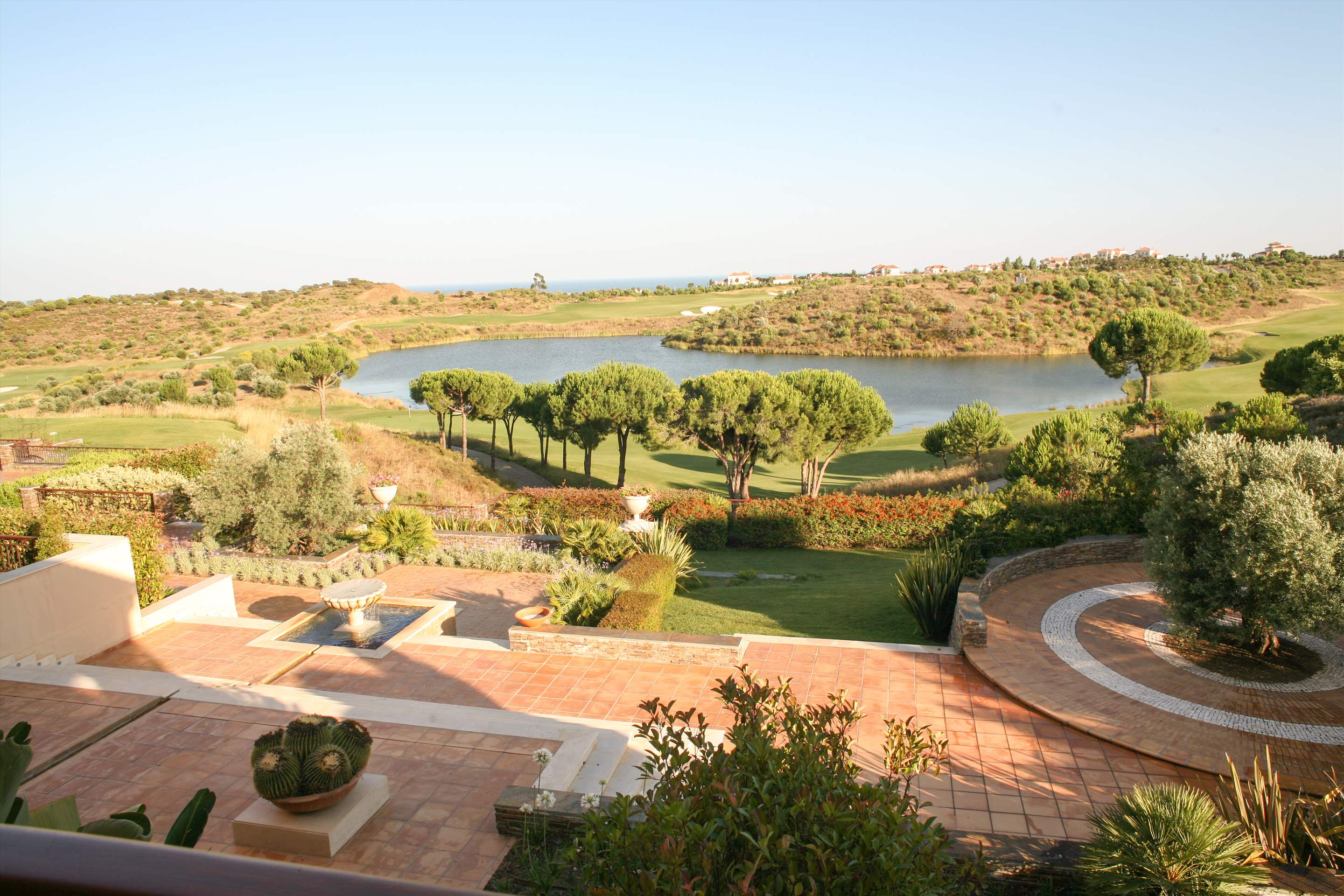 Monte Rei Three Bedroom Villa with Private Pool, 3 bedroom villa in Monte Rei Country Club, Algarve Photo #19