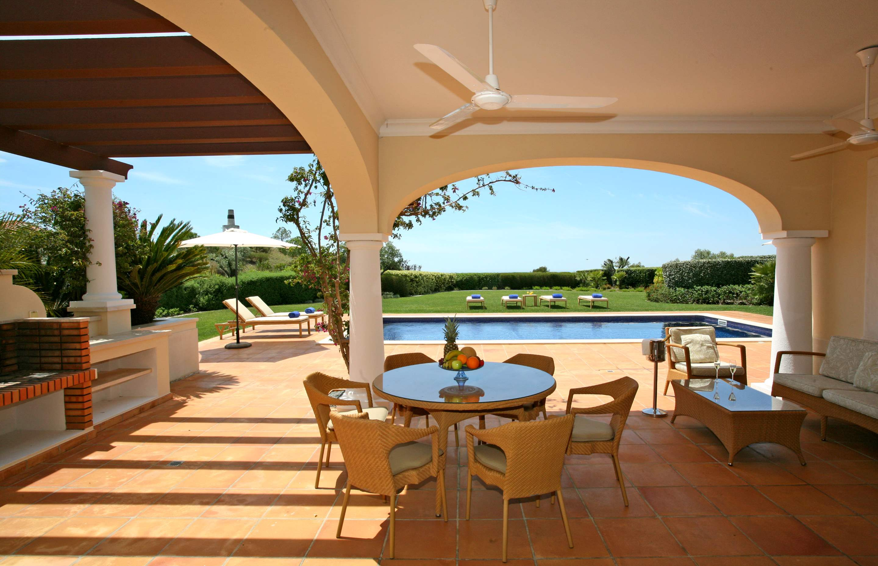 Monte Rei Three Bedroom Villa with Private Pool, 3 bedroom villa in Monte Rei Country Club, Algarve Photo #2