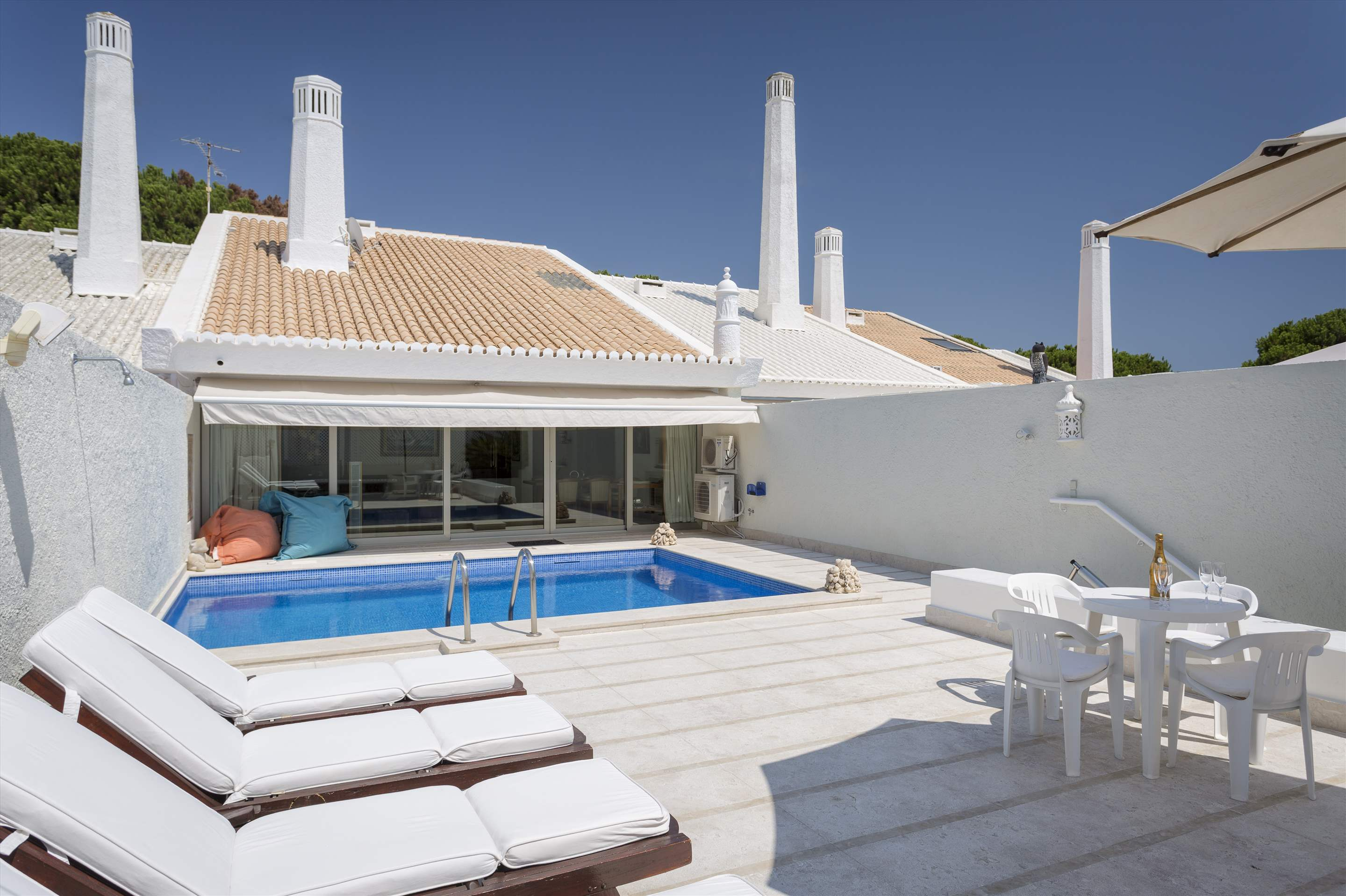Villa Valerie one, 3 bedroom villa in Vilamoura Area, Algarve