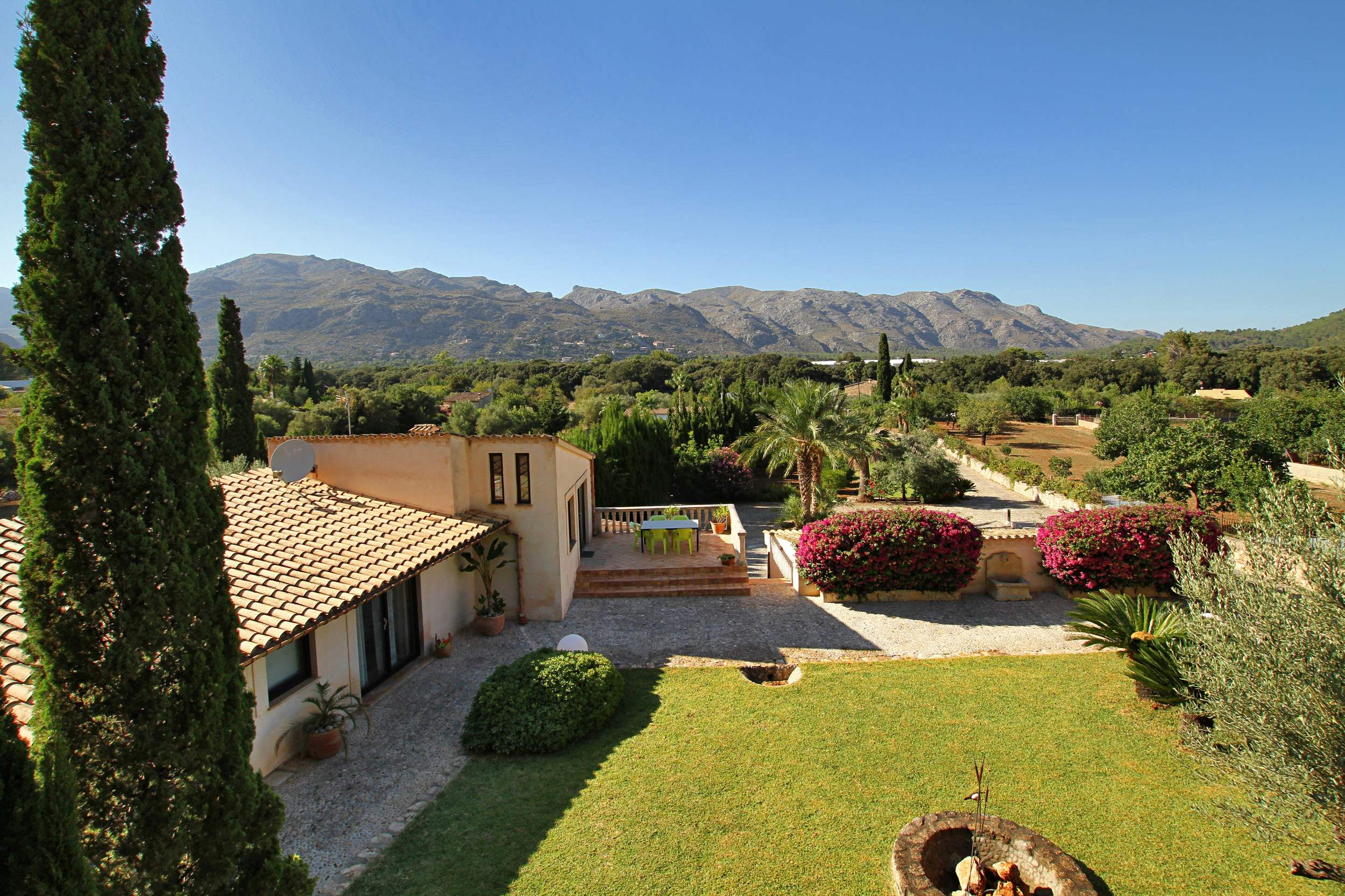 Villa Llop, 4 bedroom villa in Pollensa & Puerto Pollensa , Majorca Photo #13
