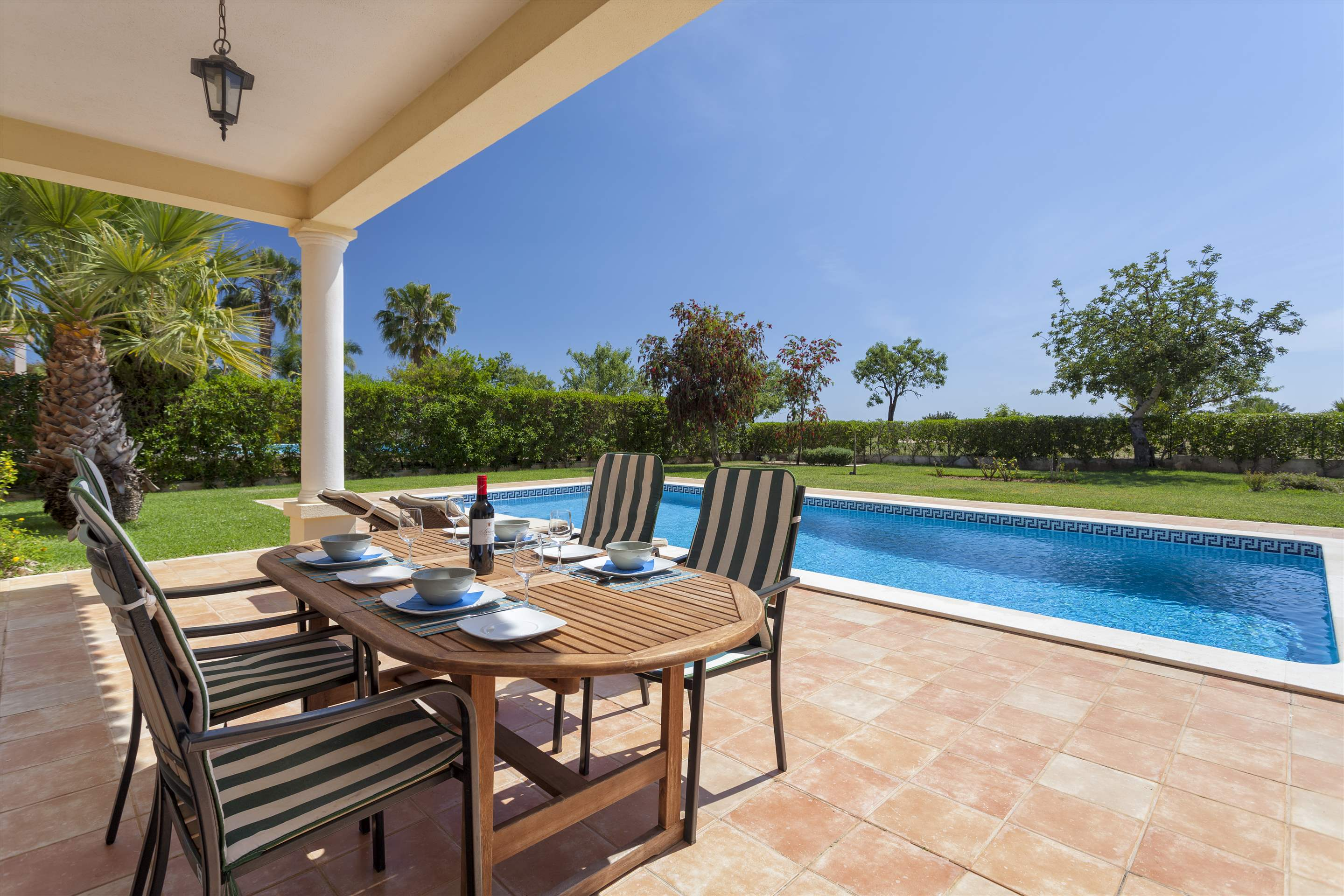 Villa Laguna Golf, 4 bedroom villa in Vilamoura Area, Algarve Photo #2