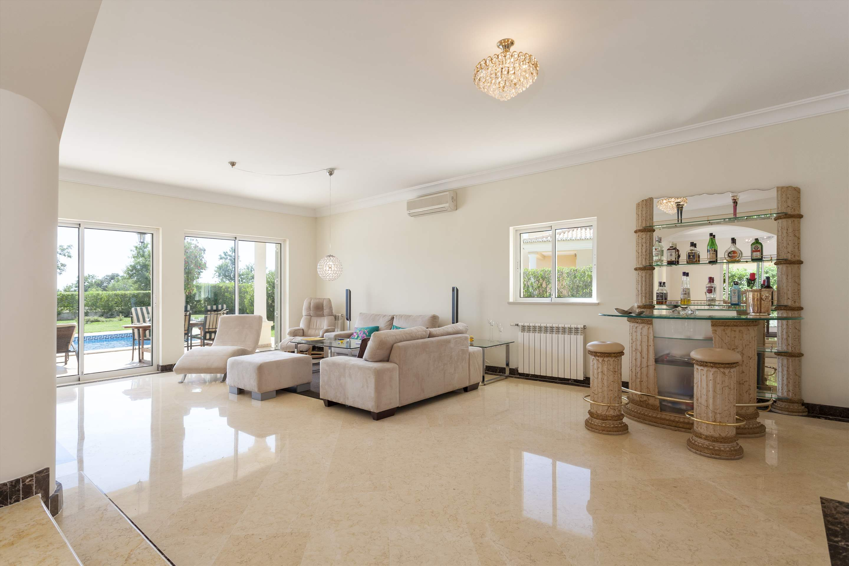 Villa Laguna Golf, 4 bedroom villa in Vilamoura Area, Algarve Photo #5
