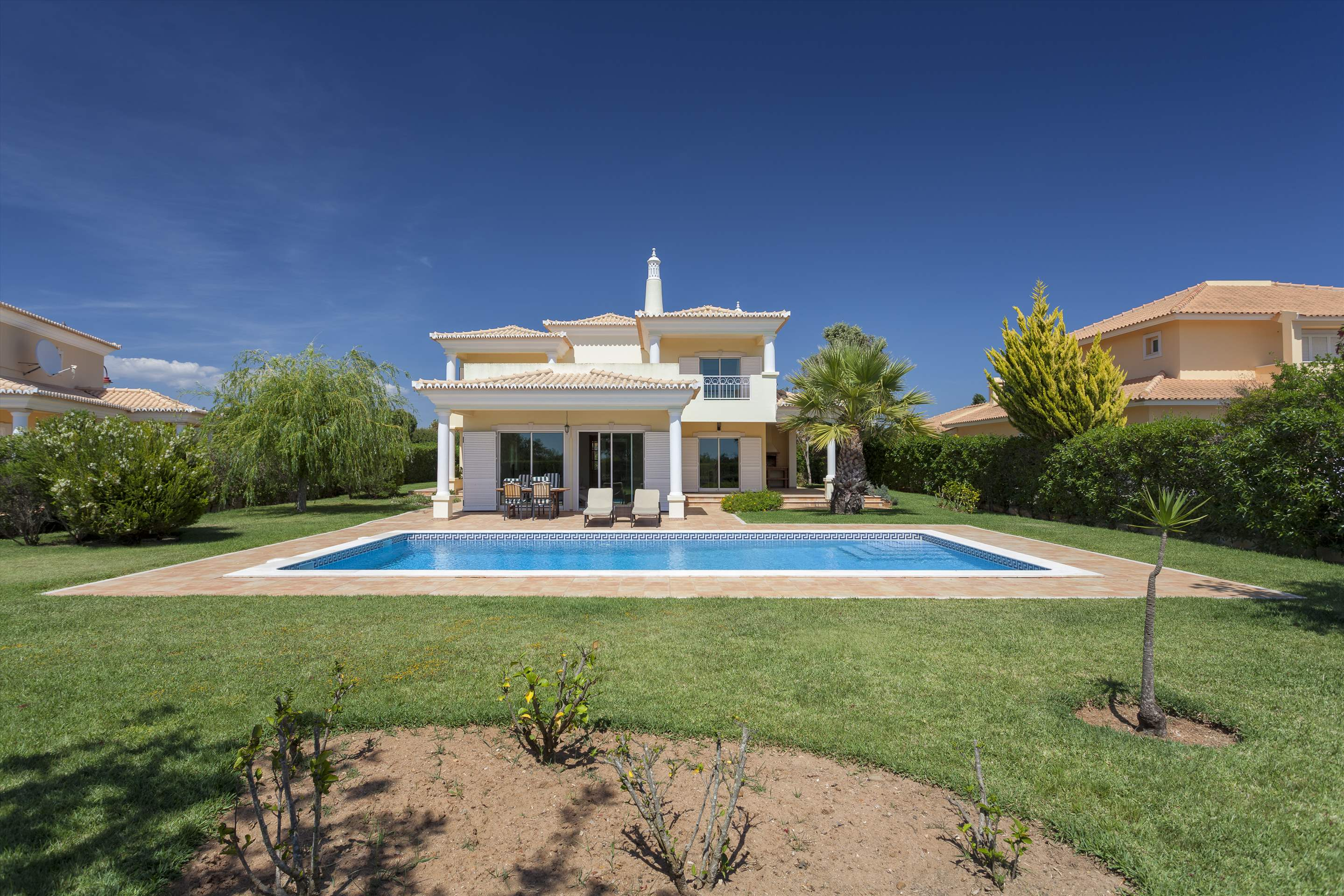 Villa Laguna Golf, 4 bedroom villa in Vilamoura Area, Algarve Photo #7