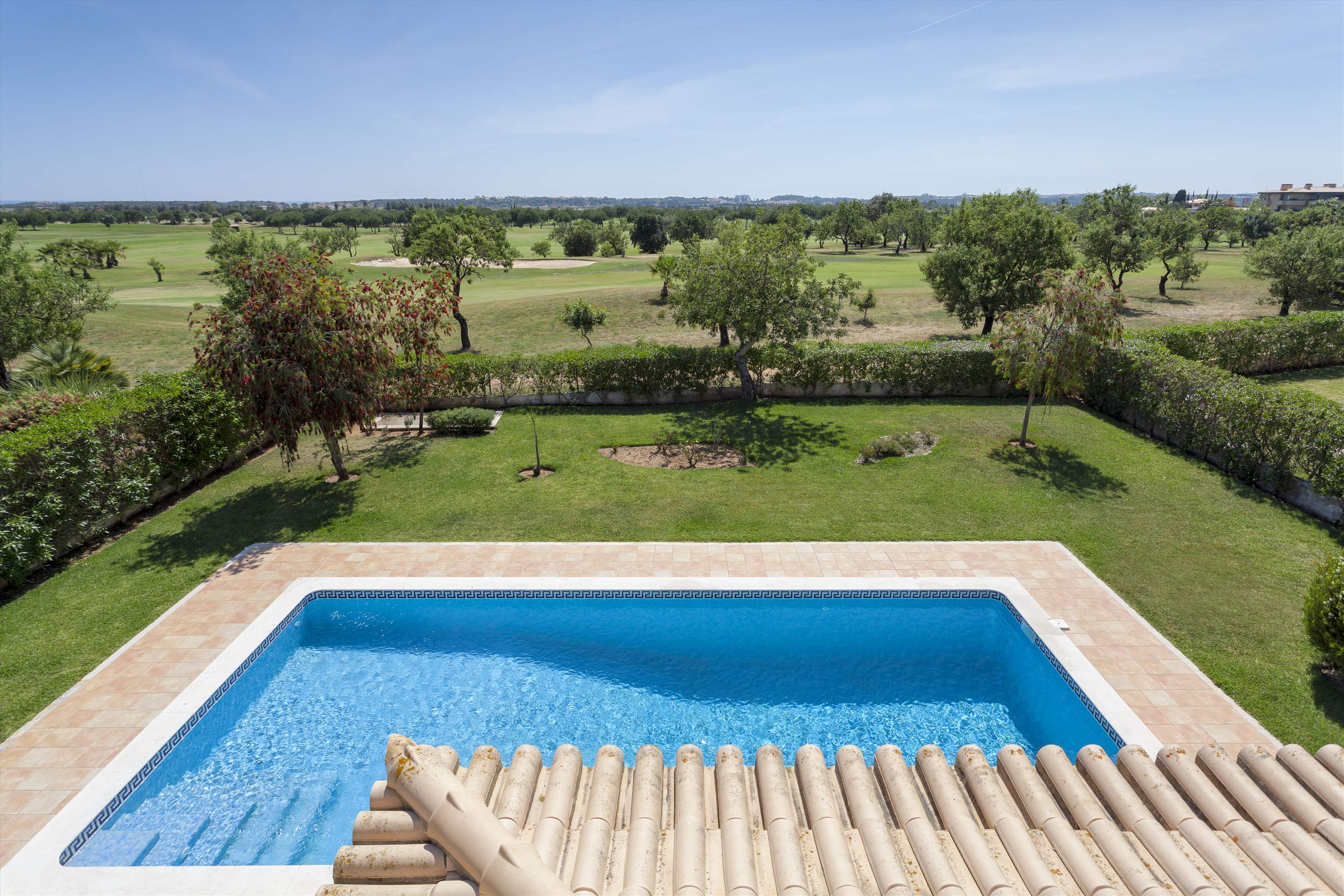Villa Laguna Golf, 4 bedroom villa in Vilamoura Area, Algarve Photo #9