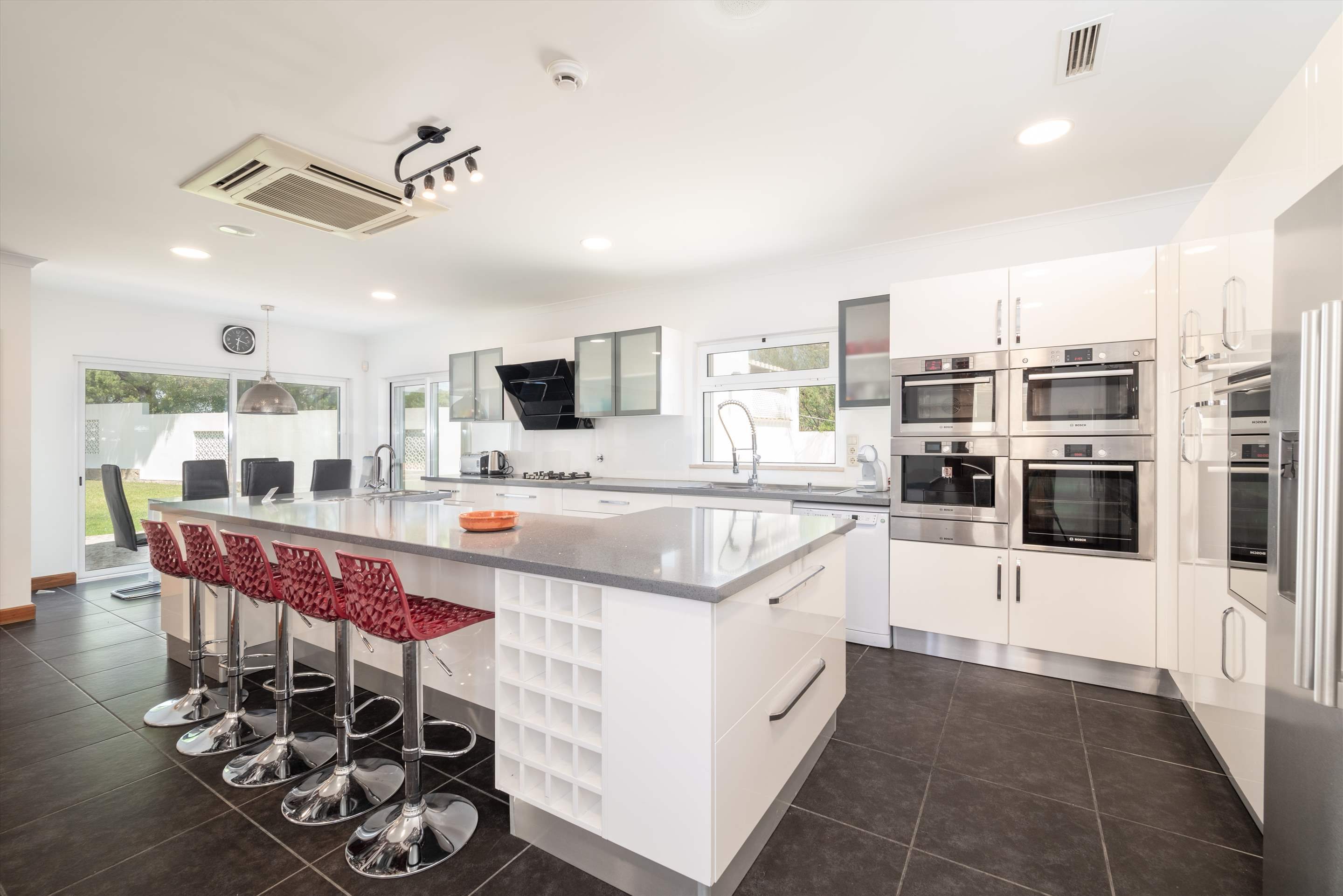 Quinta Pequena, 4 bedroom villa in Quinta do Lago, Algarve Photo #10