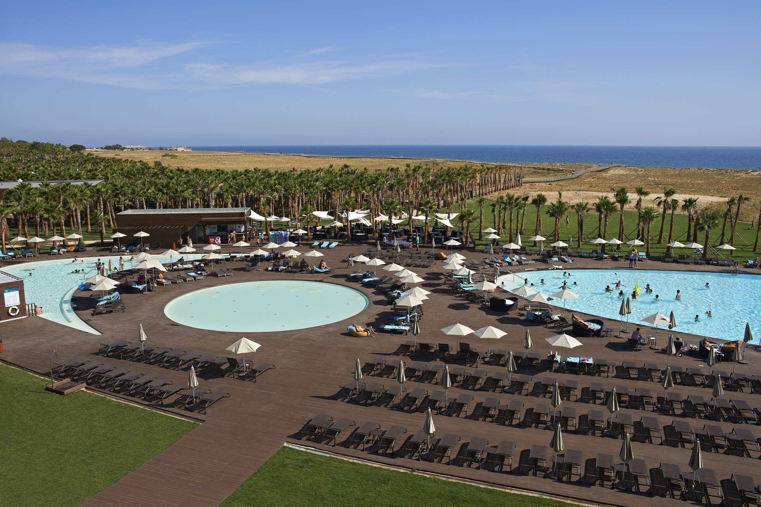 Vidamar Hotel Ocean View Room, HB, Family Room, 1 bedroom hotel in Vidamar Resort, Algarve Photo #2