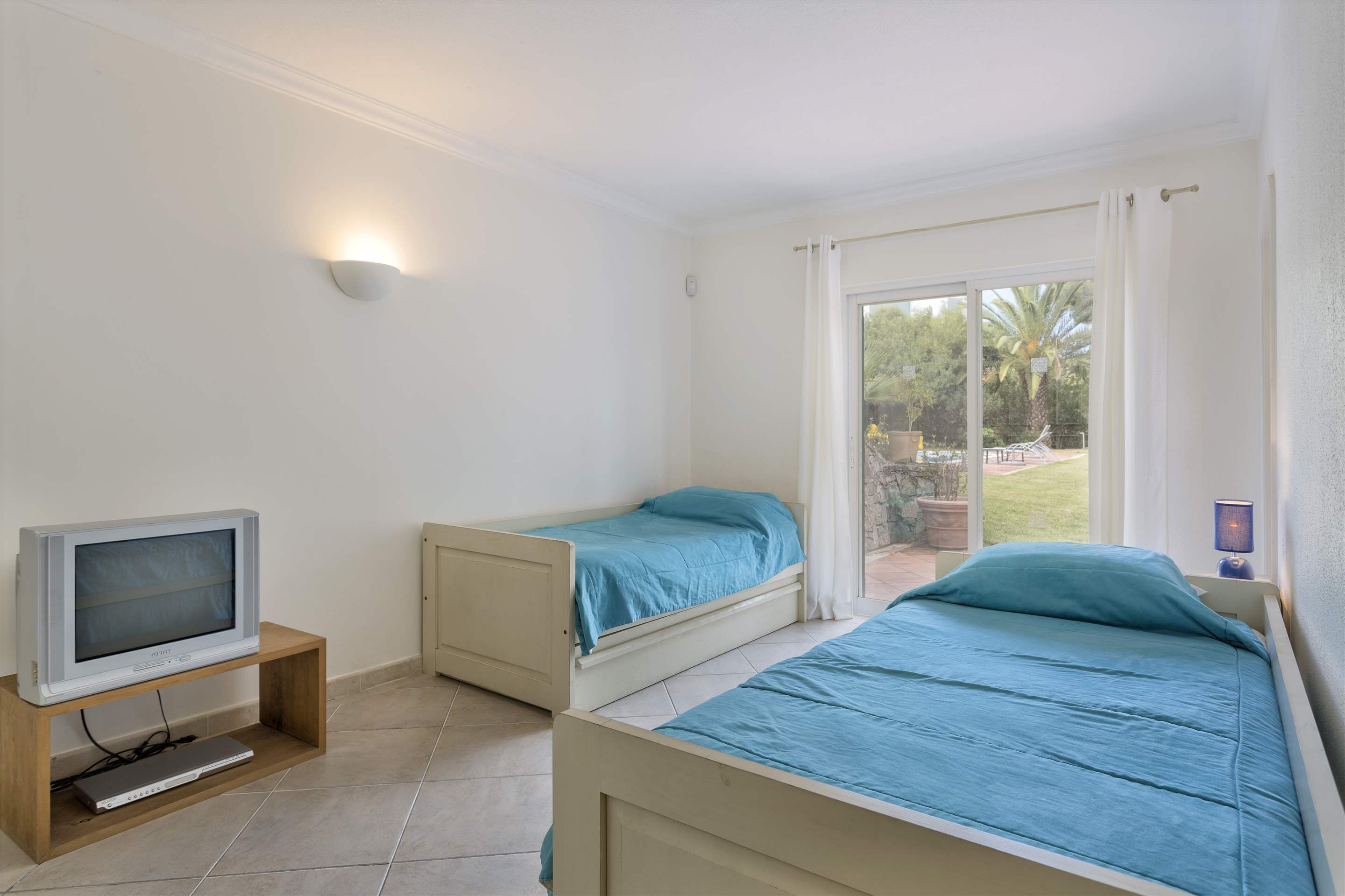 Villa Rosemaria, 5 Bedrooms, 5 bedroom villa in Vale do Lobo, Algarve Photo #15