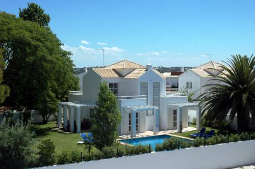 Monte Gale, 4 bedroom villa in Gale, Vale da Parra and Guia, Algarve Photo #1