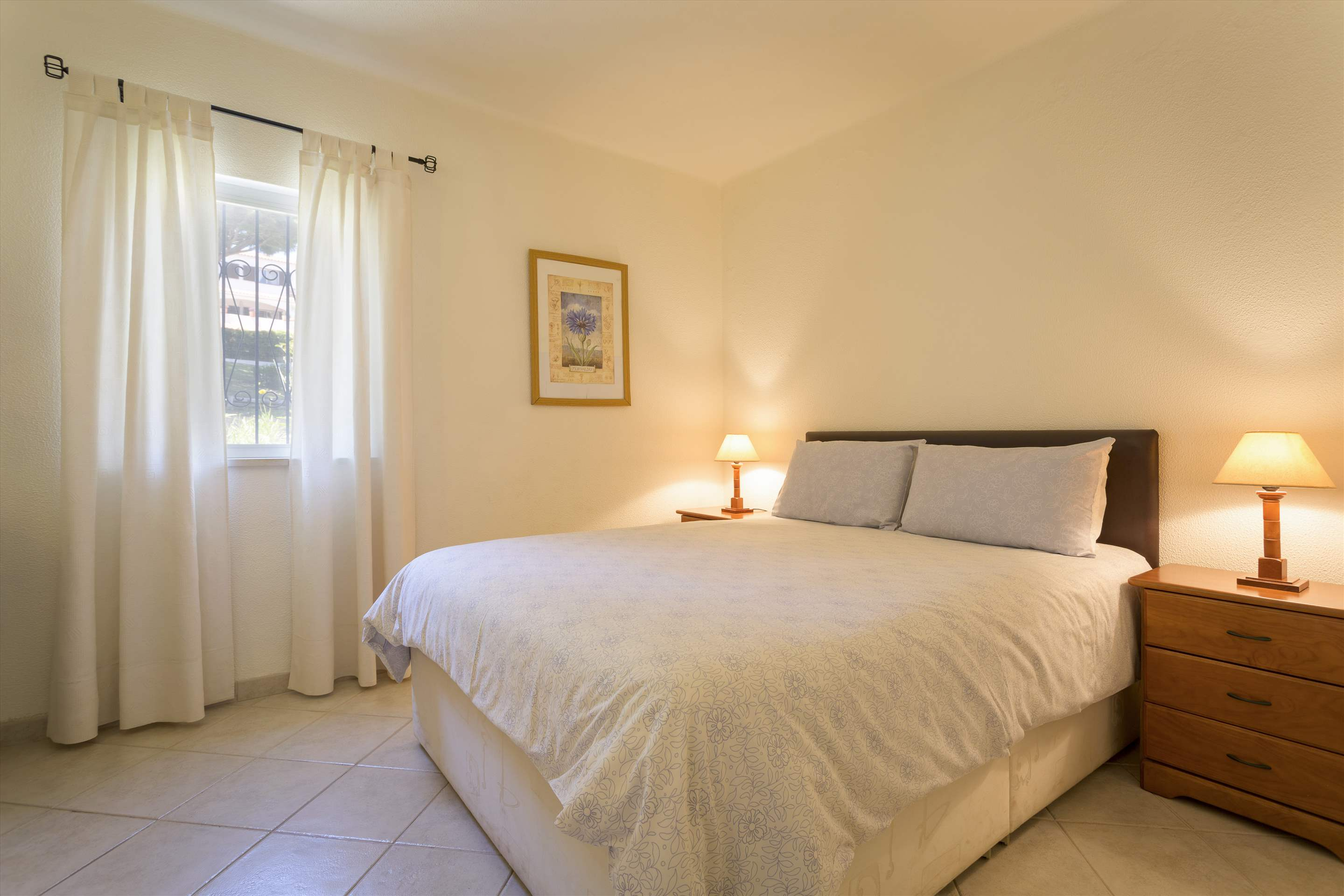 Villa Flamingo, 3 bedroom villa in Vale do Lobo, Algarve Photo #10