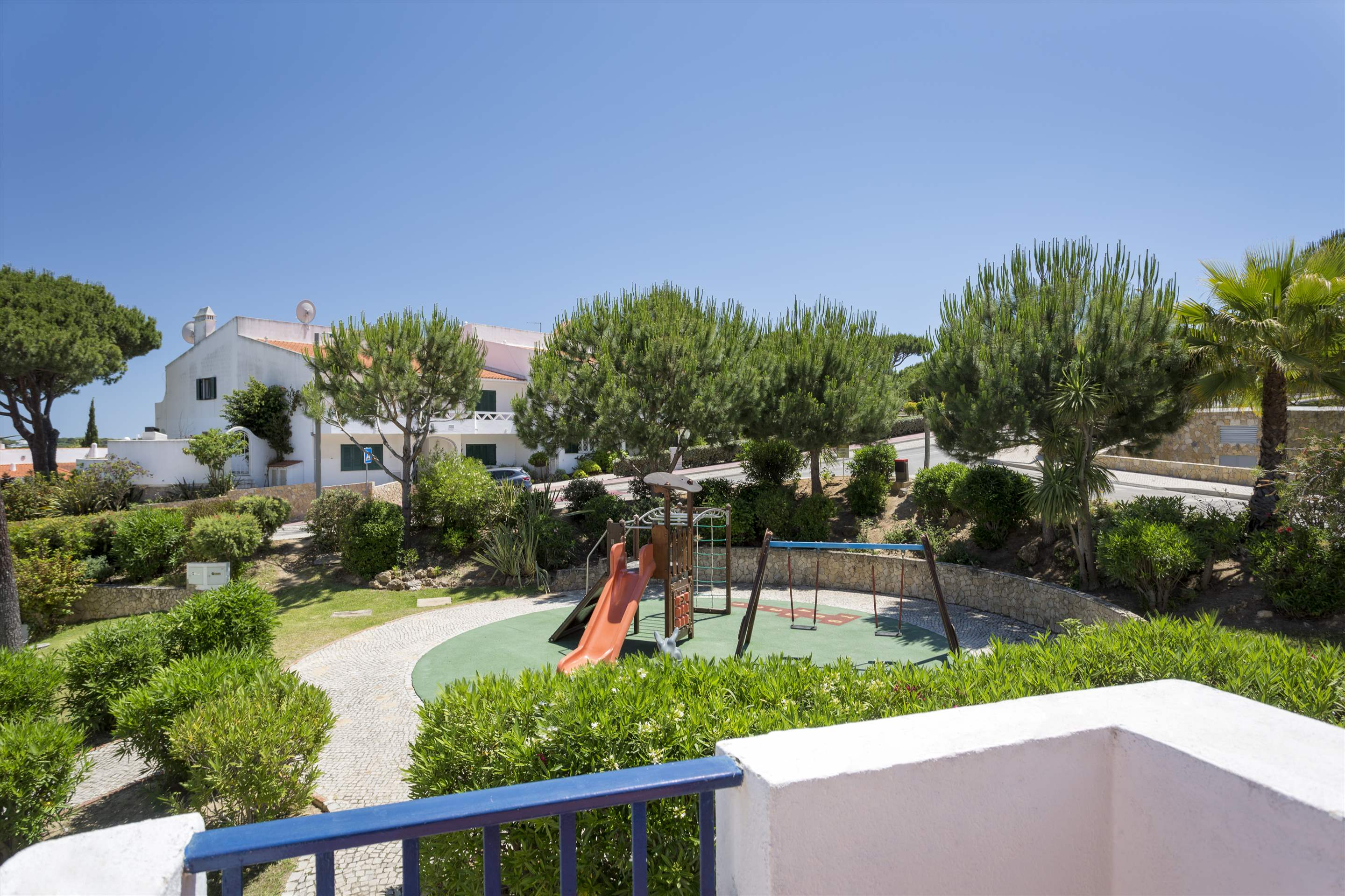 Villa Flamingo, 3 bedroom villa in Vale do Lobo, Algarve Photo #2