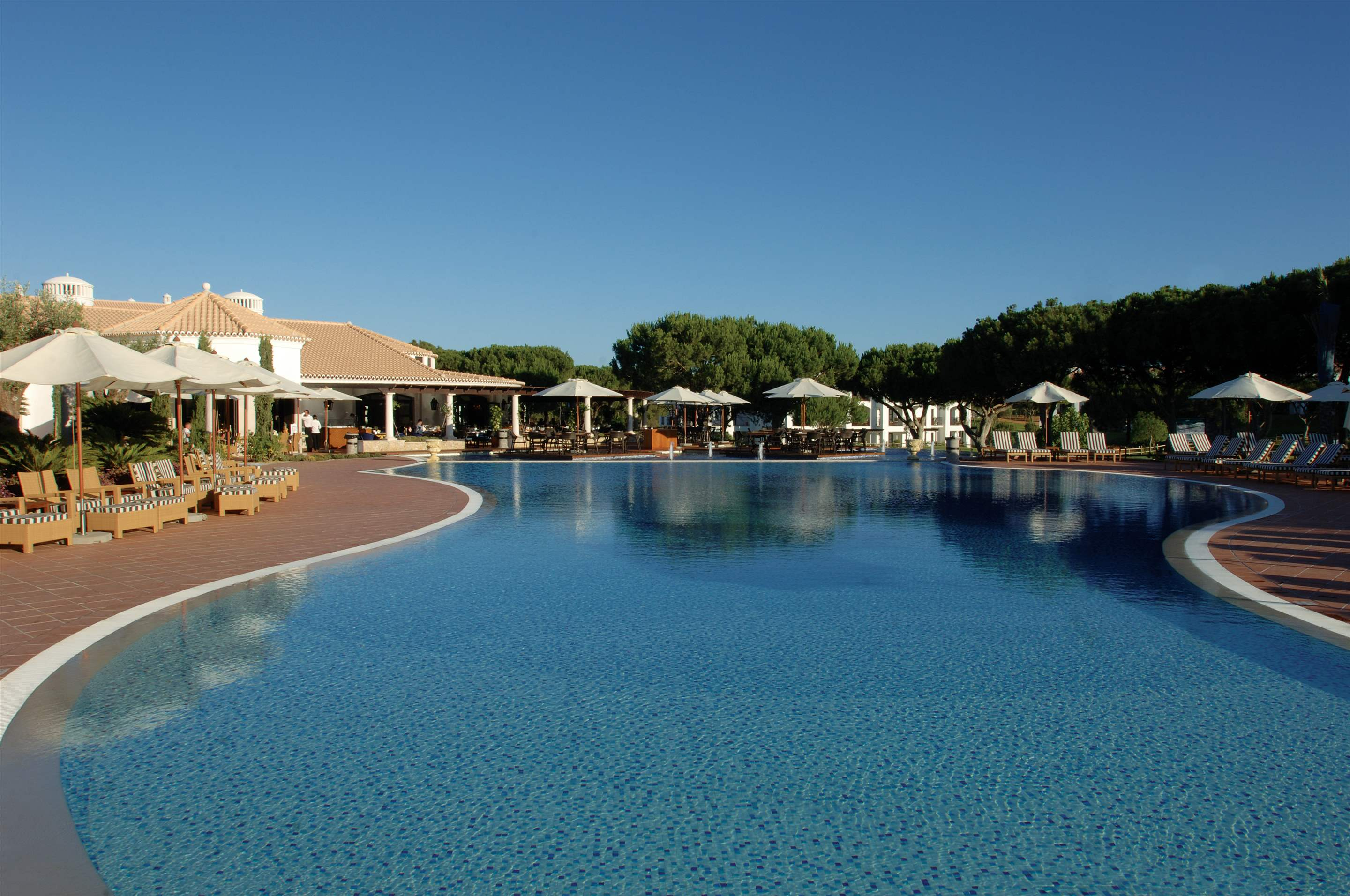 Pine Cliffs Suites, 3 Bedroom Penthouse, room only basis, 3 bedroom apartment in Pine Cliffs Resort, Algarve Photo #1