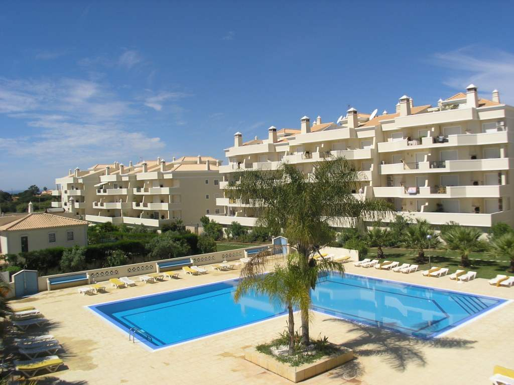 Apartment Rosal 3 Bedroom Apartment, 5-6 persons rate, 3 bedroom apartment in Gale, Vale da Parra and Guia, Algarve Photo #1
