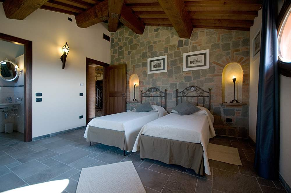 Villa Montelopio, 4 bedroom villa in Chianti & Countryside, Tuscany Photo #14