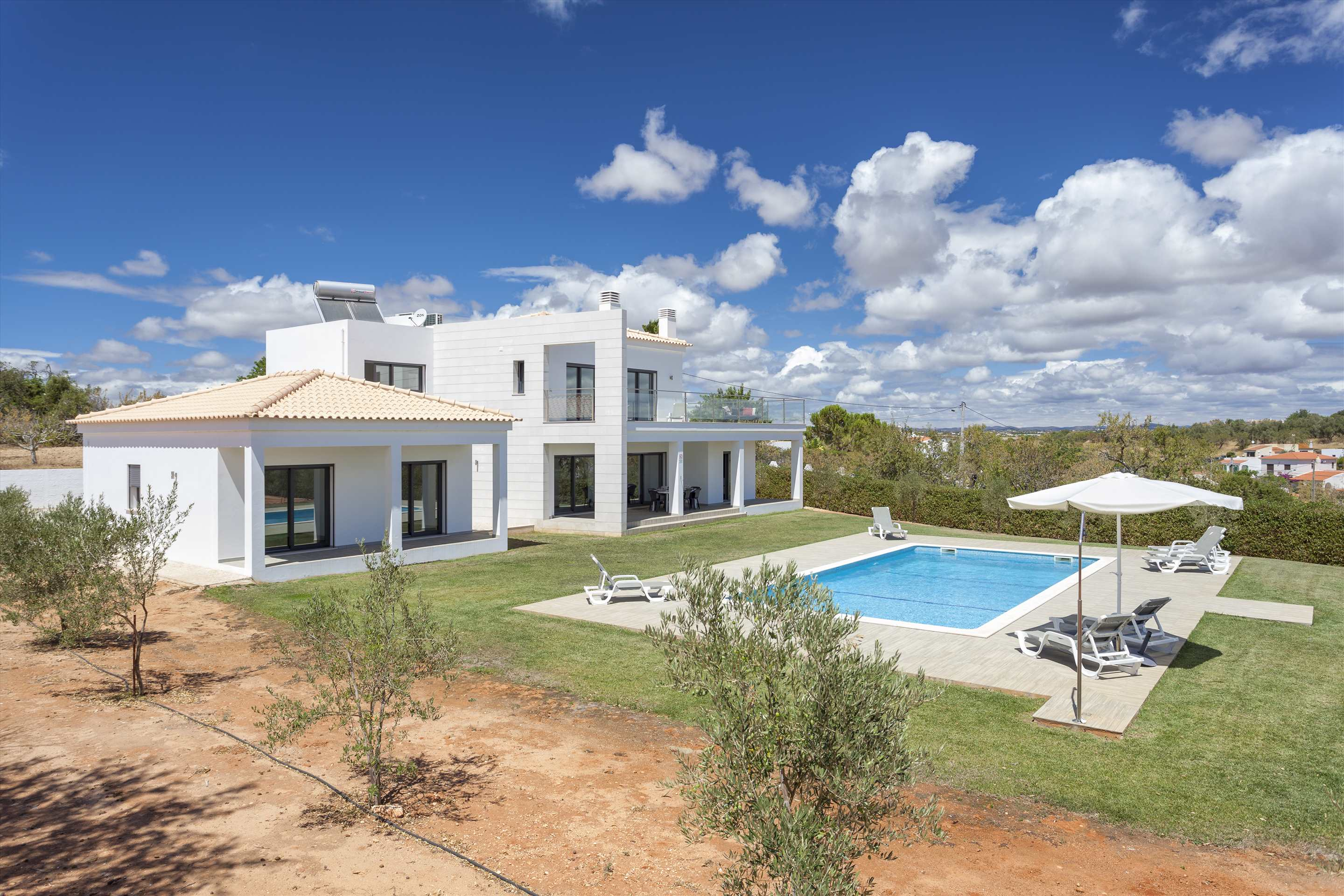 Casa Joana, 4 bedroom villa in Carvoeiro Area, Algarve