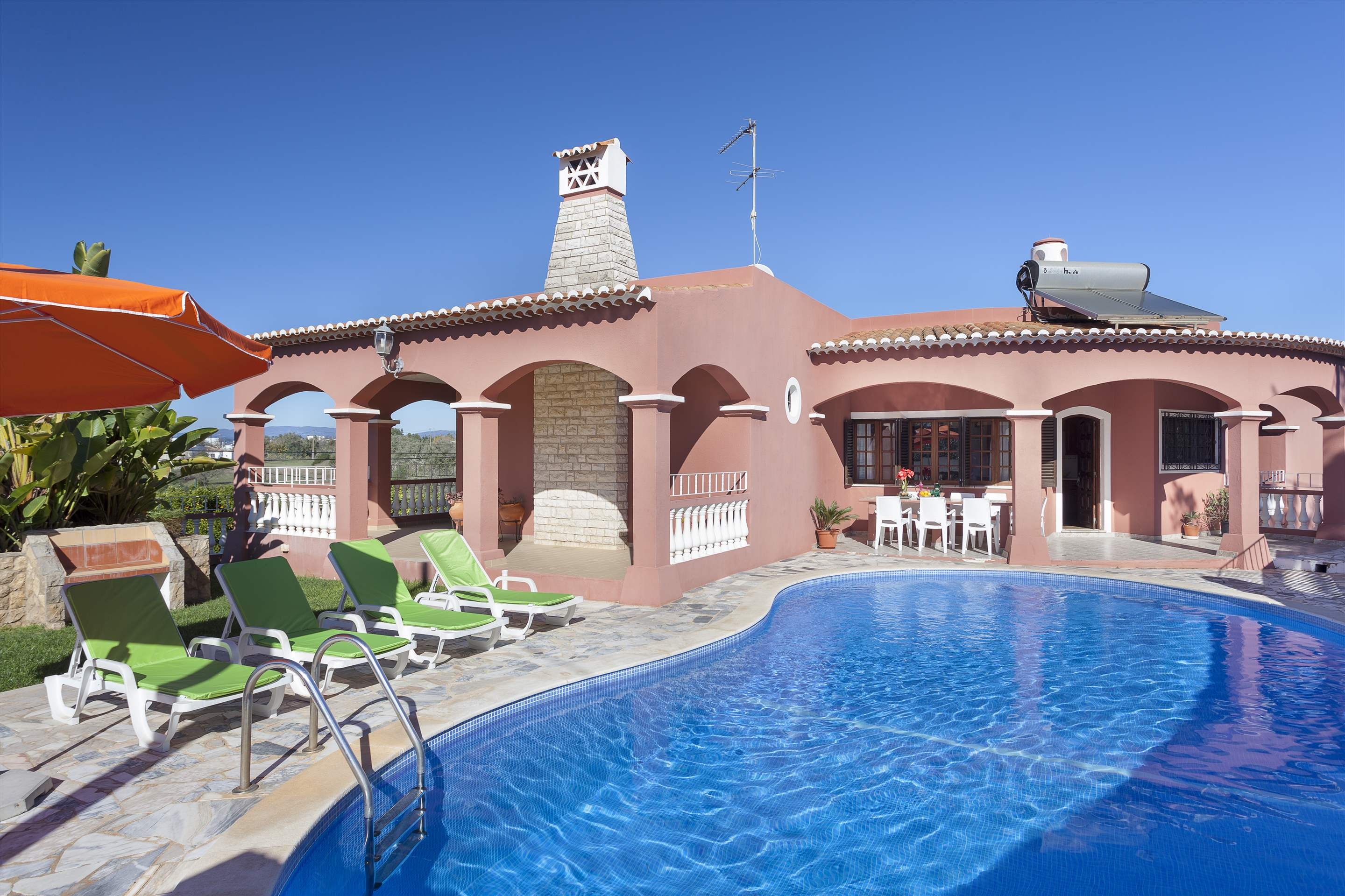 Vivenda Joao Pedro, 4 bedroom villa in Carvoeiro Area, Algarve Photo #1