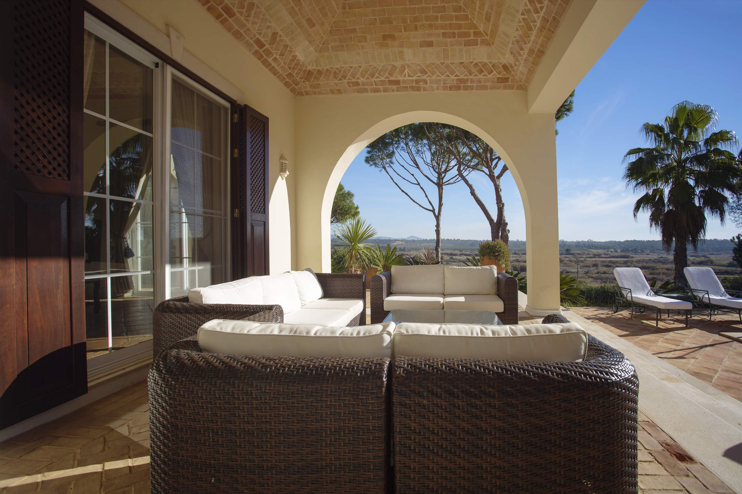 Villa Palmeiras Altas, 5 bedroom villa in Quinta do Lago, Algarve Photo #12