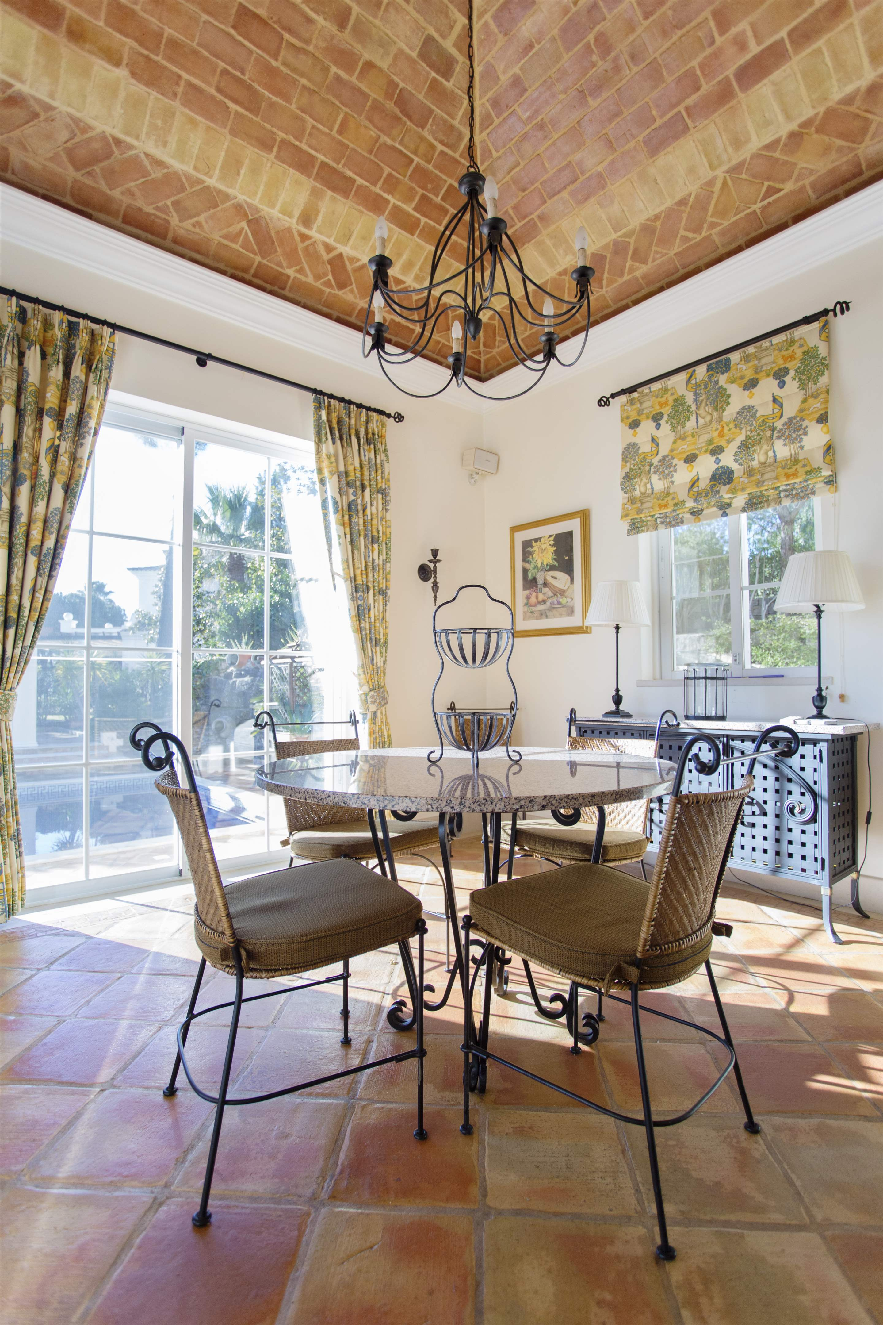 Villa Palmeiras Altas, 5 bedroom villa in Quinta do Lago, Algarve Photo #17