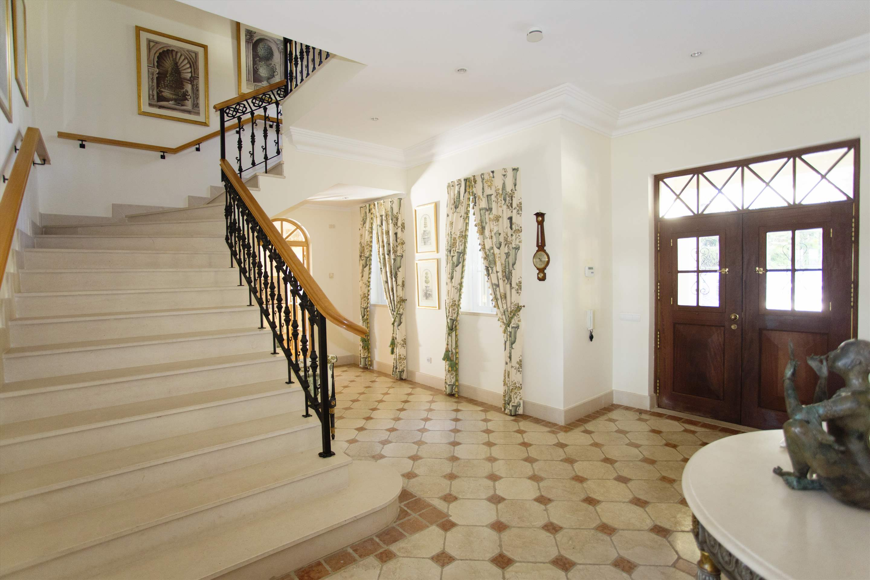 Villa Palmeiras Altas, 5 bedroom villa in Quinta do Lago, Algarve Photo #18