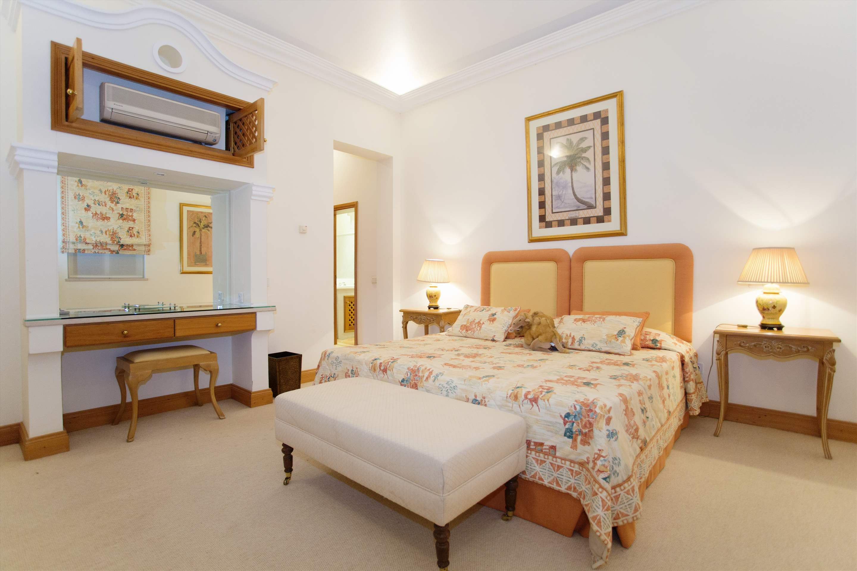 Villa Palmeiras Altas, 5 bedroom villa in Quinta do Lago, Algarve Photo #26