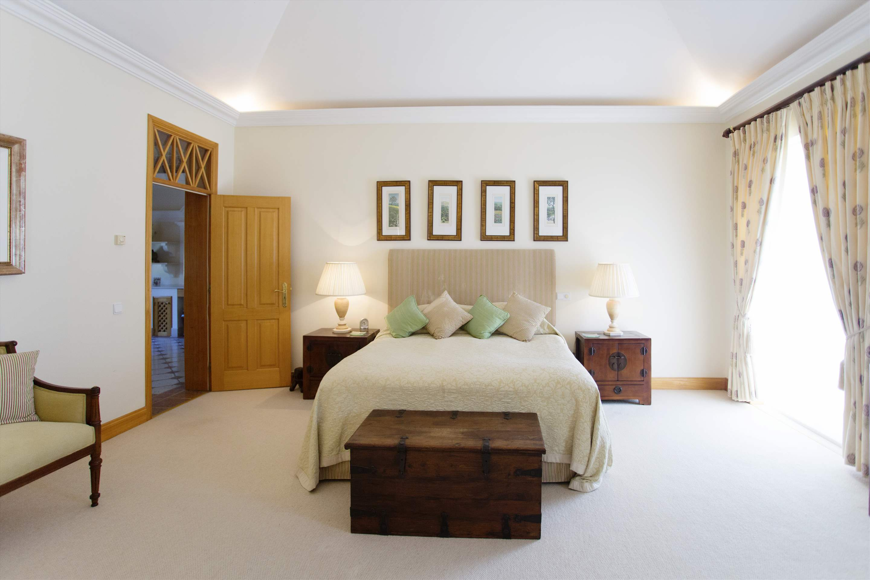 Villa Palmeiras Altas, 5 bedroom villa in Quinta do Lago, Algarve Photo #27