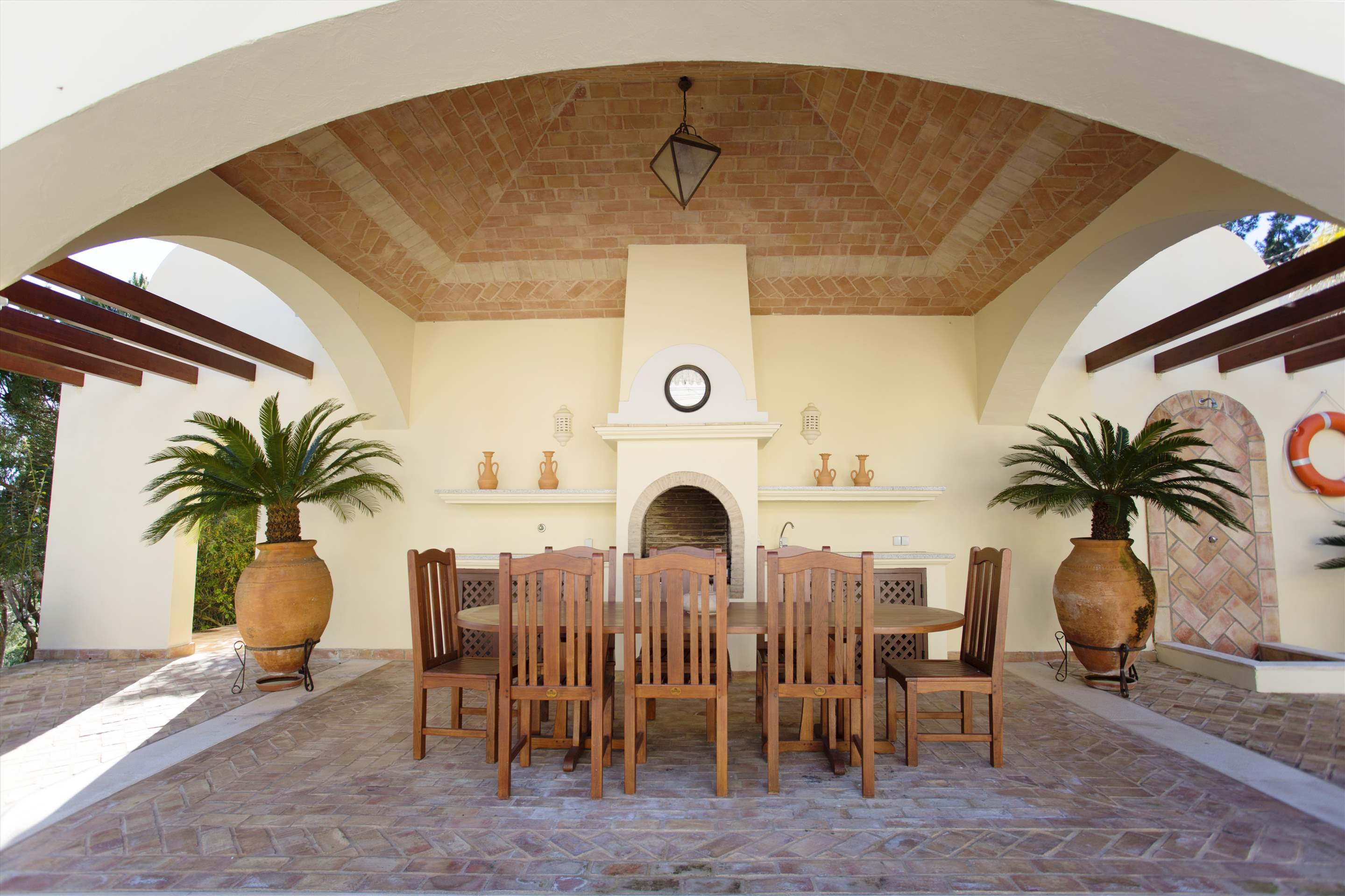 Villa Palmeiras Altas, 5 bedroom villa in Quinta do Lago, Algarve Photo #3