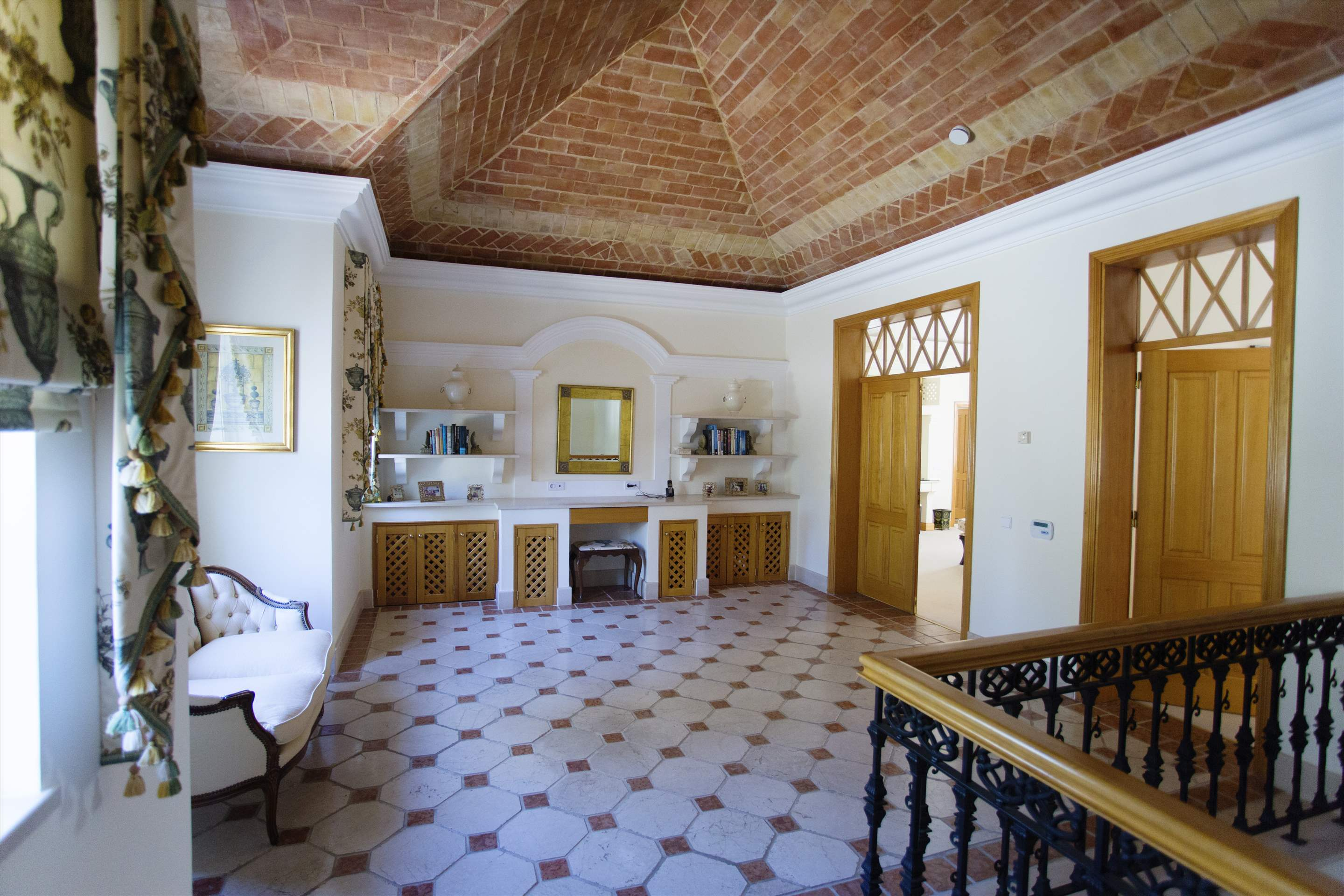 Villa Palmeiras Altas, 5 bedroom villa in Quinta do Lago, Algarve Photo #33
