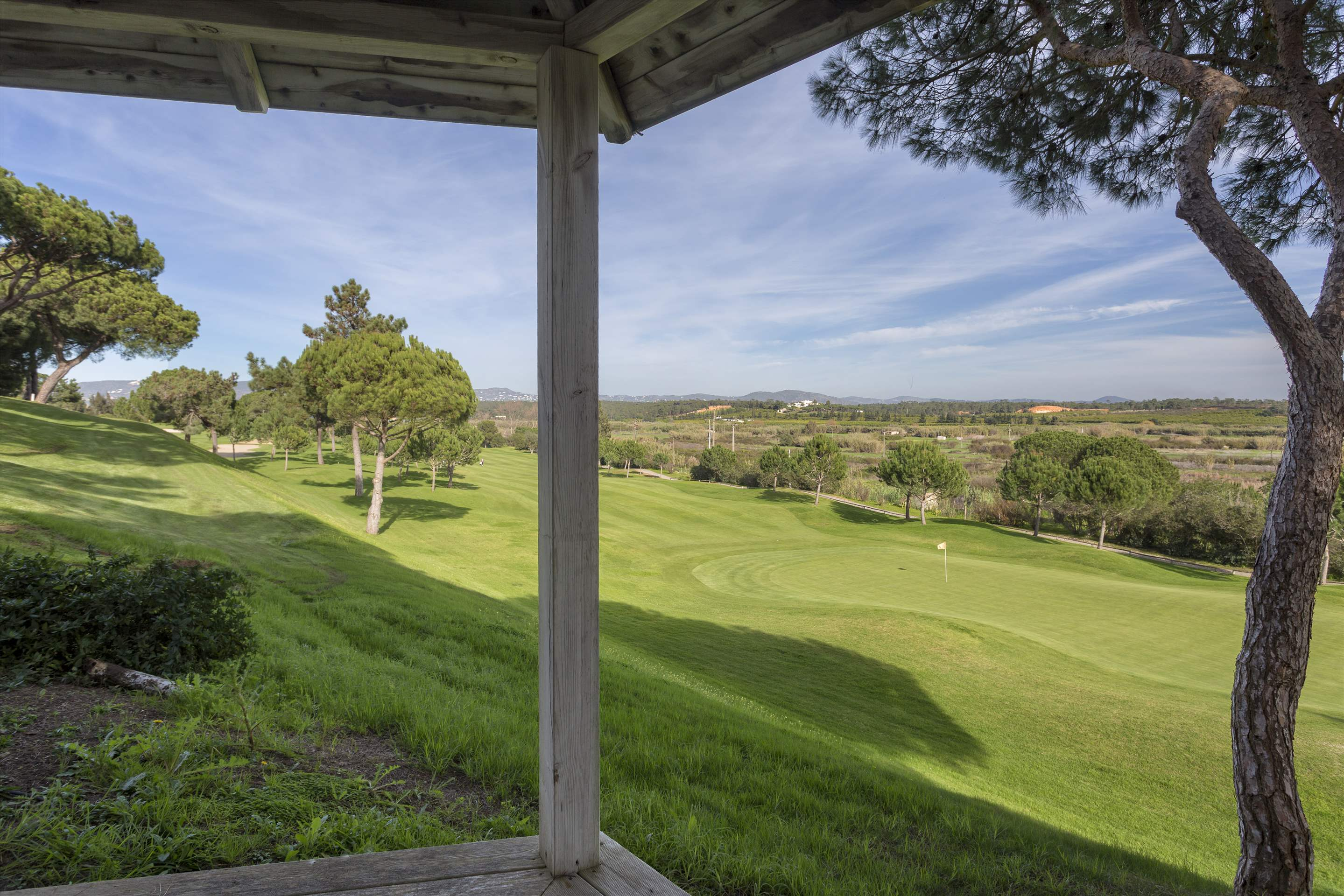 Villa Palmeiras Altas, 5 bedroom villa in Quinta do Lago, Algarve Photo #37