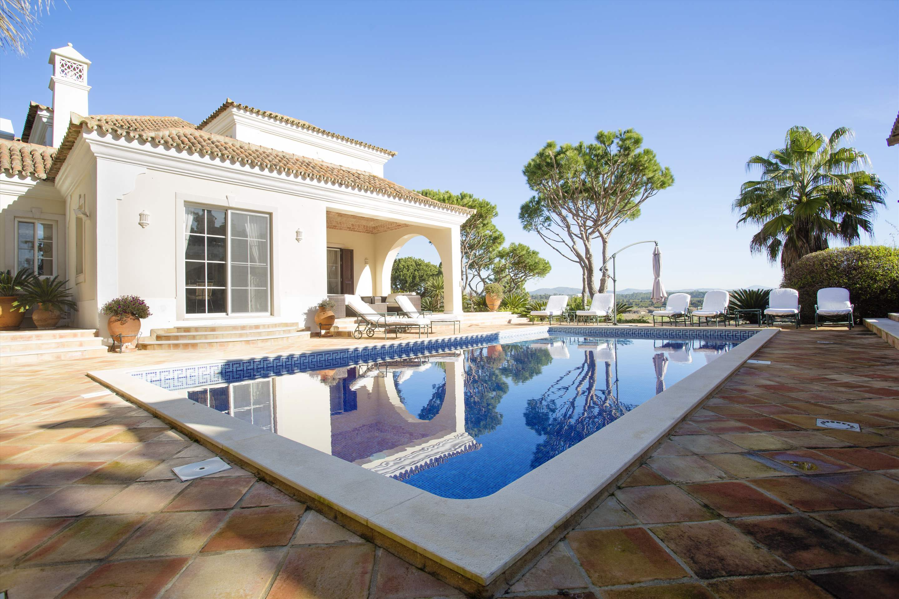 Villa Palmeiras Altas, 5 bedroom villa in Quinta do Lago, Algarve Photo #4
