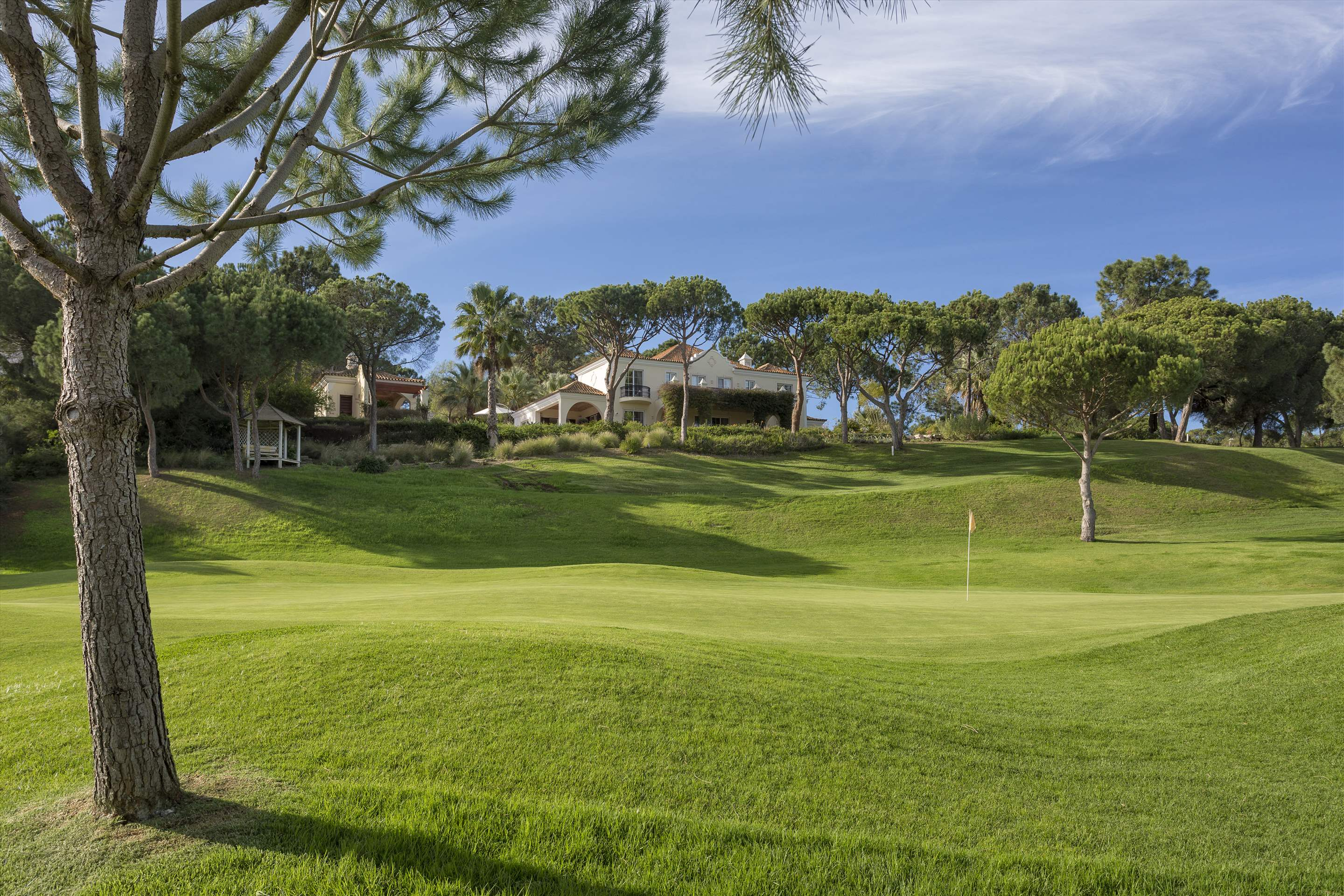 Villa Palmeiras Altas, 5 bedroom villa in Quinta do Lago, Algarve Photo #41