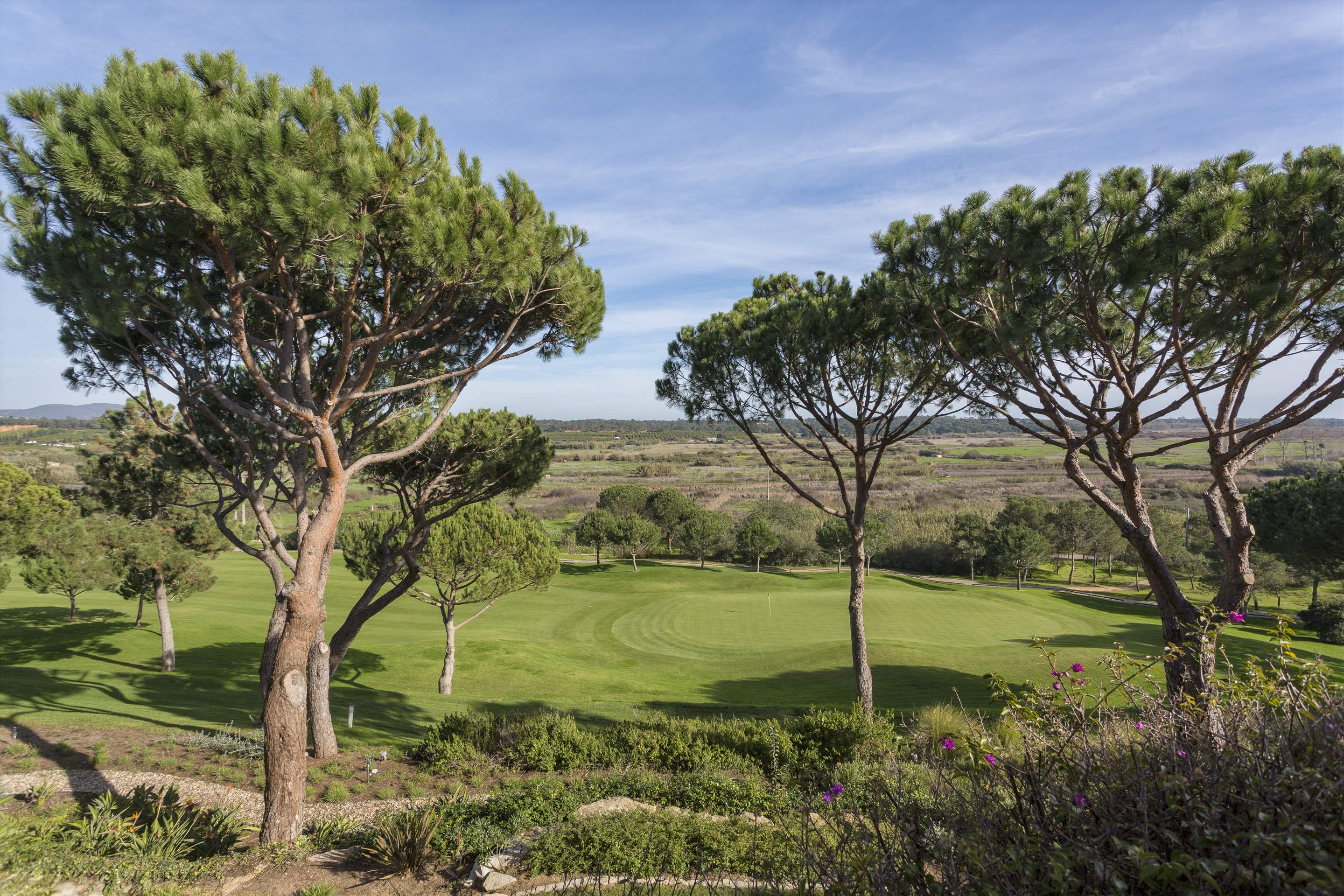 Villa Palmeiras Altas, 5 bedroom villa in Quinta do Lago, Algarve Photo #5