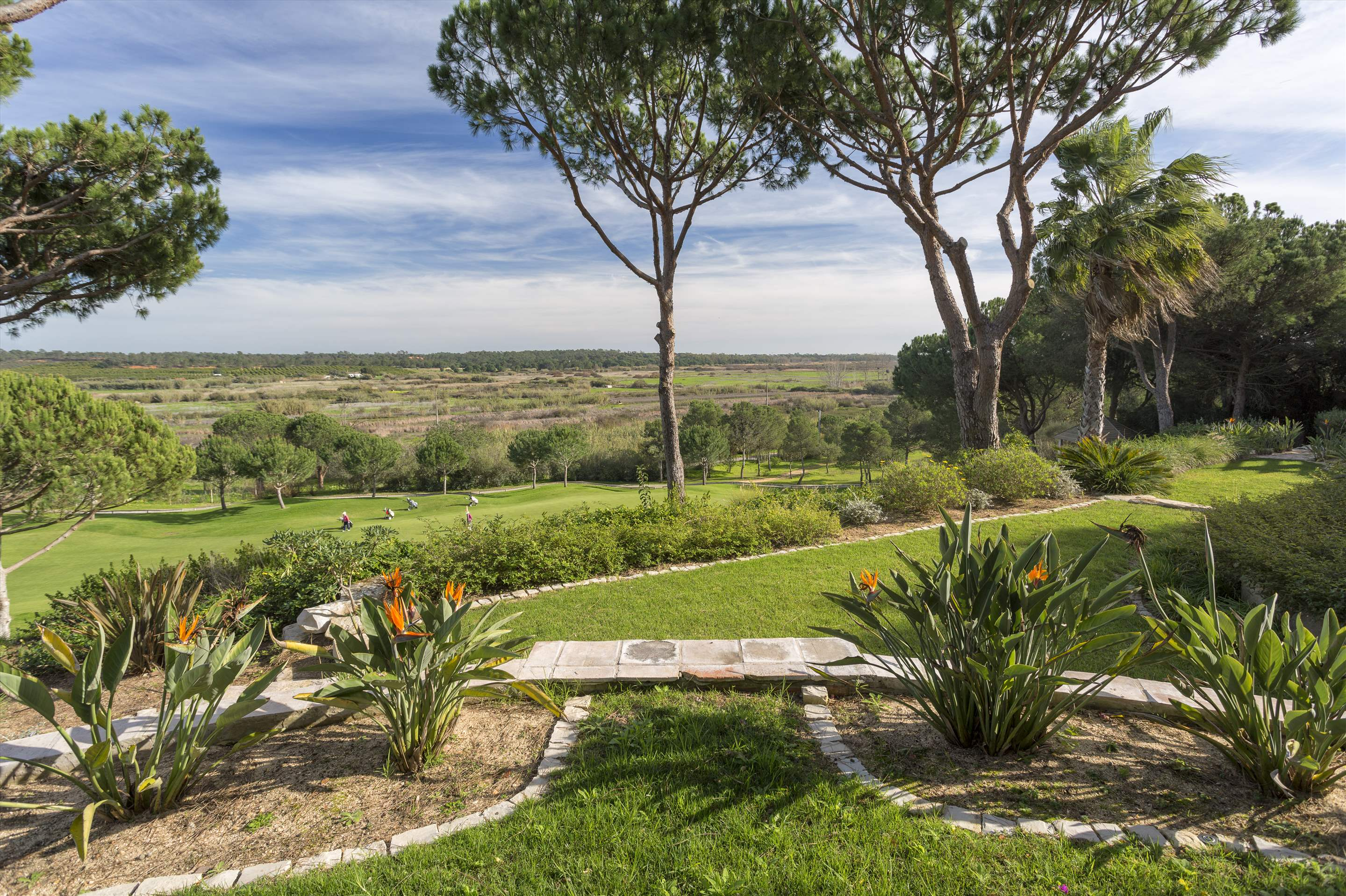 Villa Palmeiras Altas, 5 bedroom villa in Quinta do Lago, Algarve Photo #7