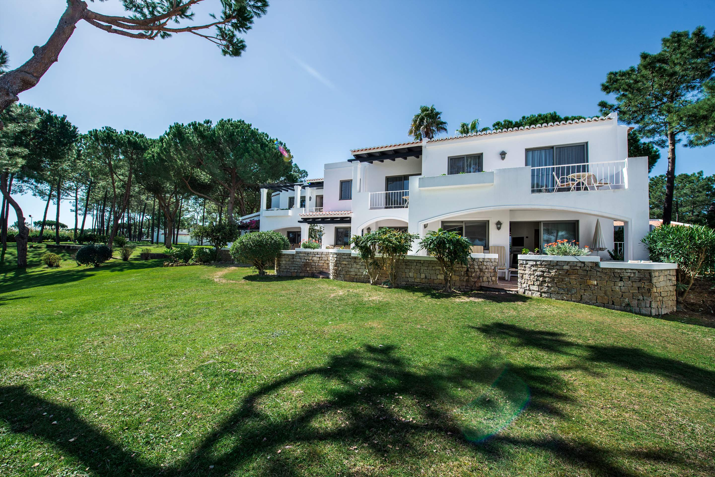 Four Seasons Country Club 1 bed, Superior - Sunday Arrival, 1 bedroom apartment in Four Seasons Country Club, Algarve