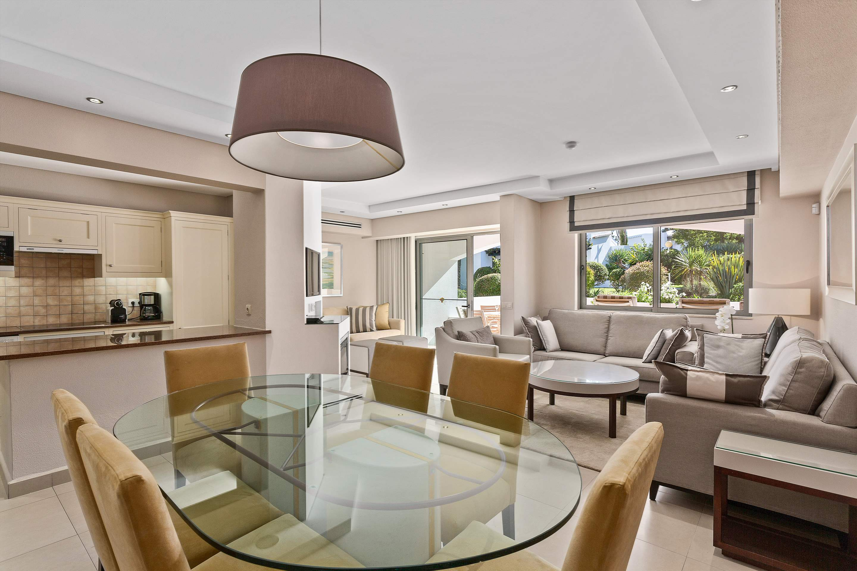 Four Seasons Country Club 2 bed, Superior - Sunday Arrival, 2 bedroom apartment in Four Seasons Country Club, Algarve Photo #5