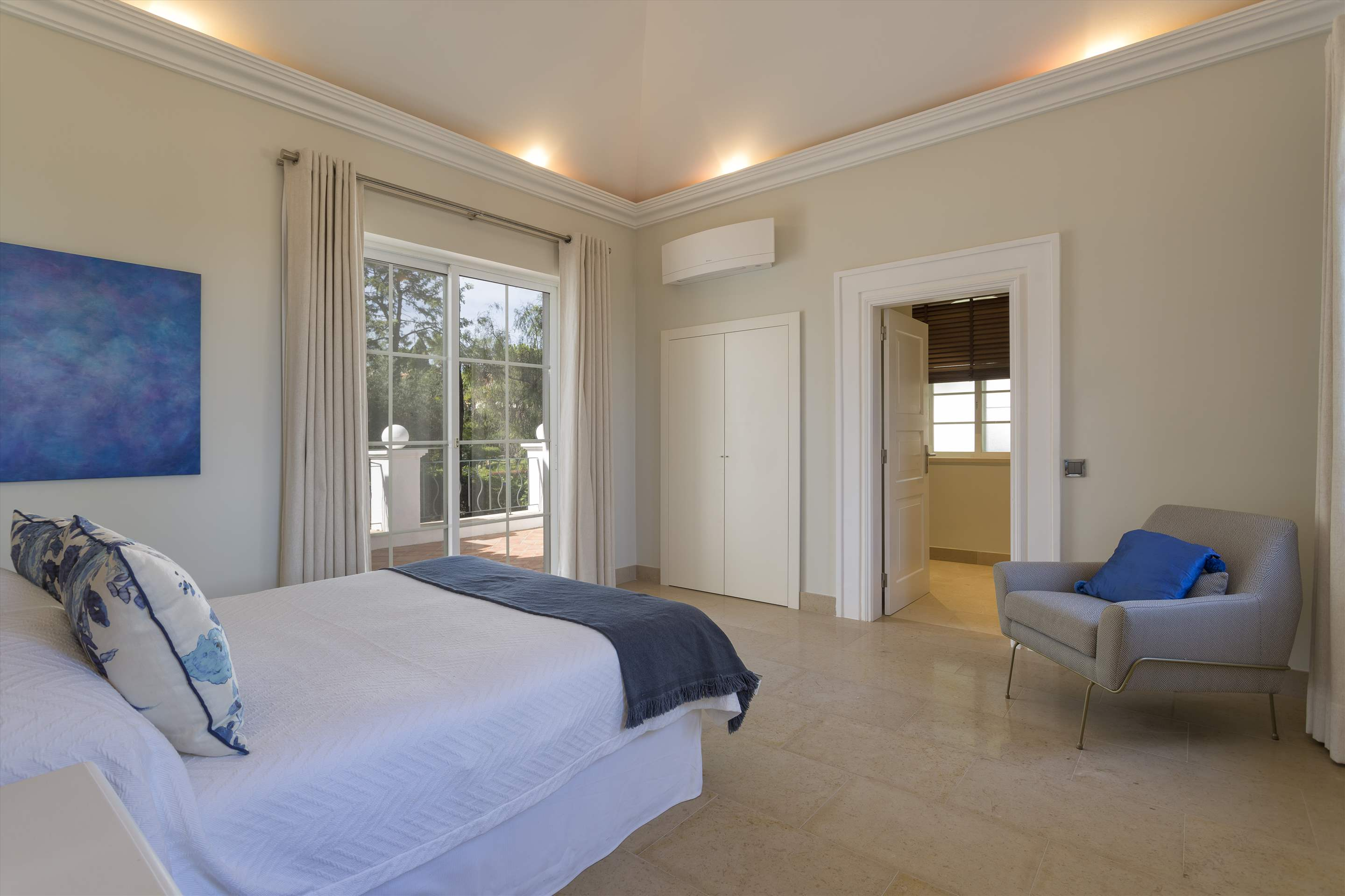 Villa Lavinia, Four Bedrooms, 4 bedroom villa in Quinta do Lago, Algarve Photo #15