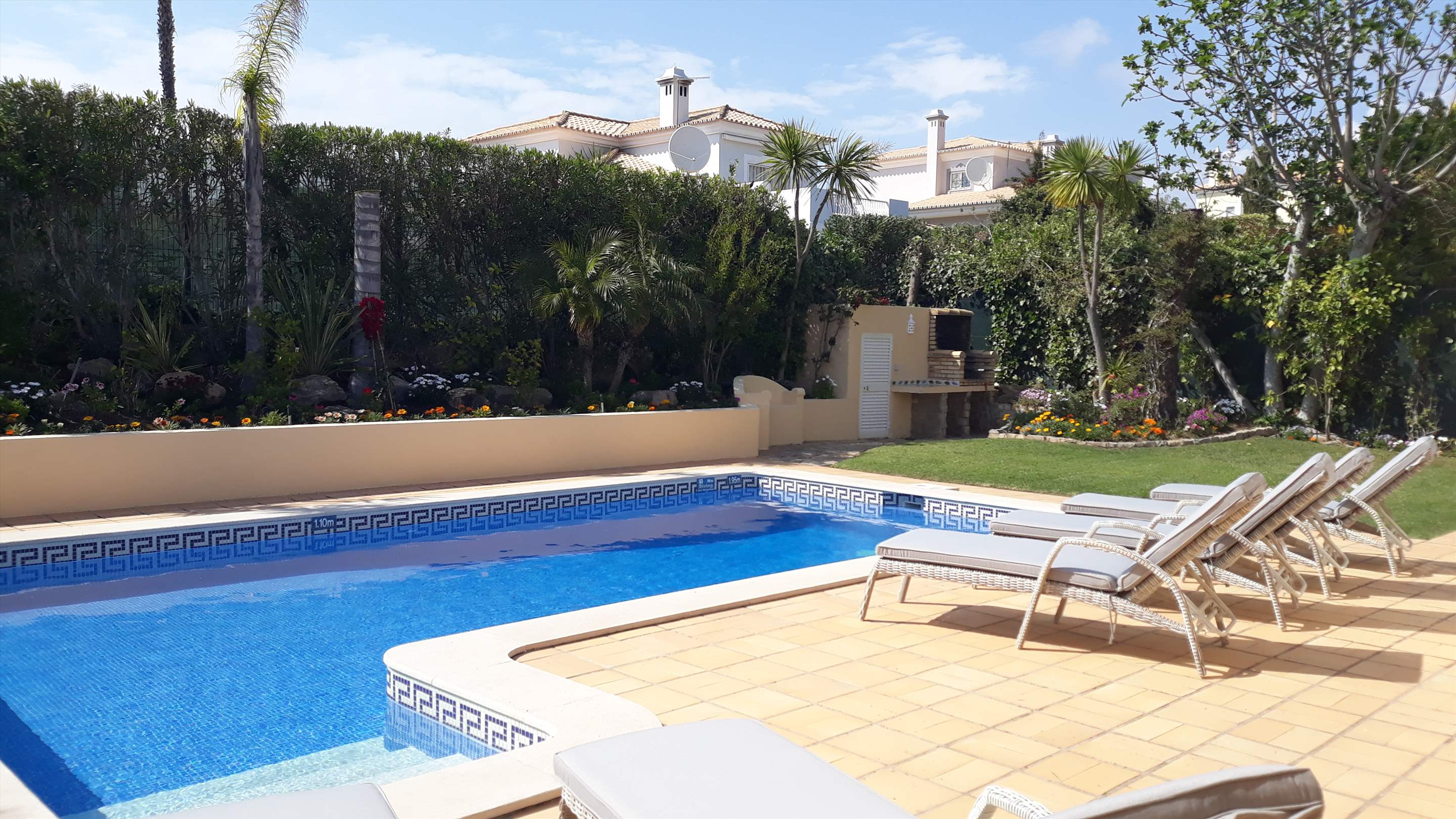Casa Rosada, 3 bedroom villa in Vale do Lobo, Algarve Photo #8