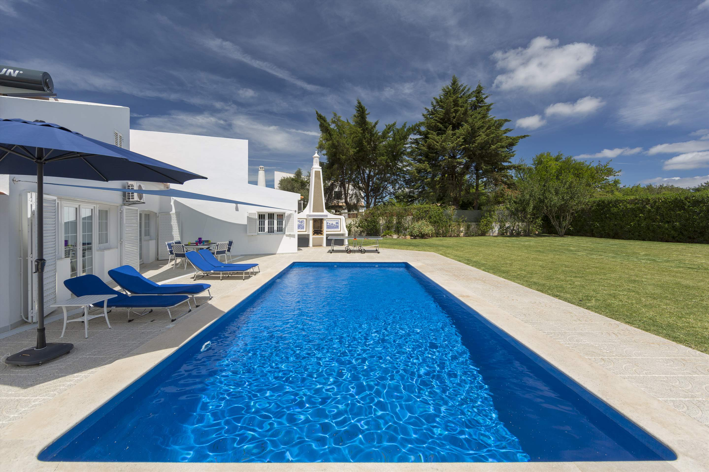 Casa Madrisa, 3 bedroom villa in Vilamoura Area, Algarve Photo #21