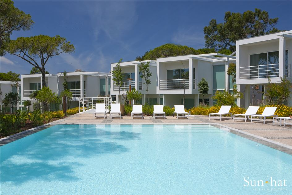 Martinhal Cascais Deluxe Villas, Two Bedroom with Bunk Bed, BB Basis, 2 villa in Lisbon Coast, Lisbon