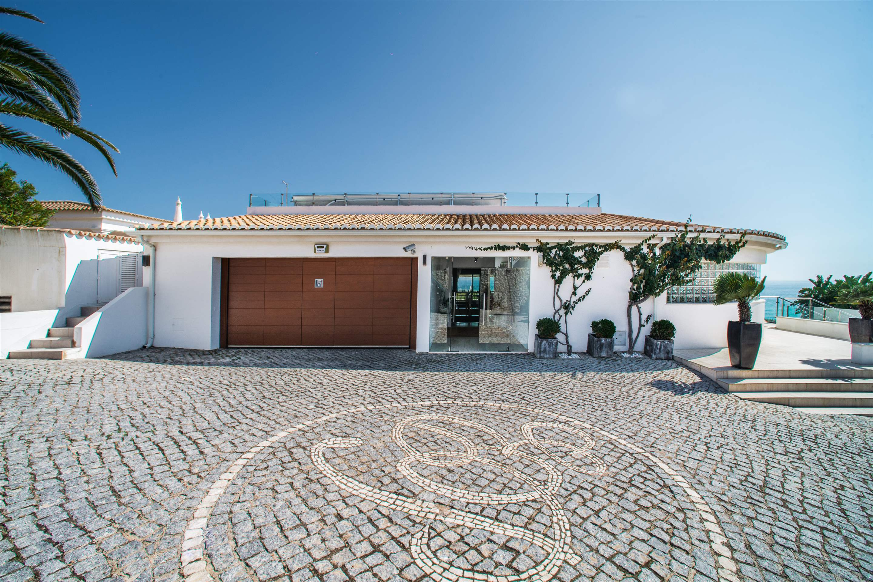 Casa da Praia, 8 bedroom villa in Albufeira Area, Algarve Photo #18