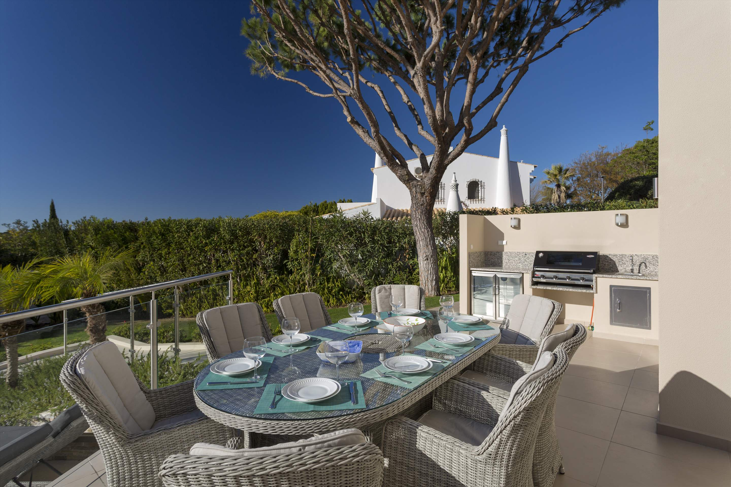Villa La Soudada, 4 bedroom villa in Dunas Douradas, Algarve Photo #2