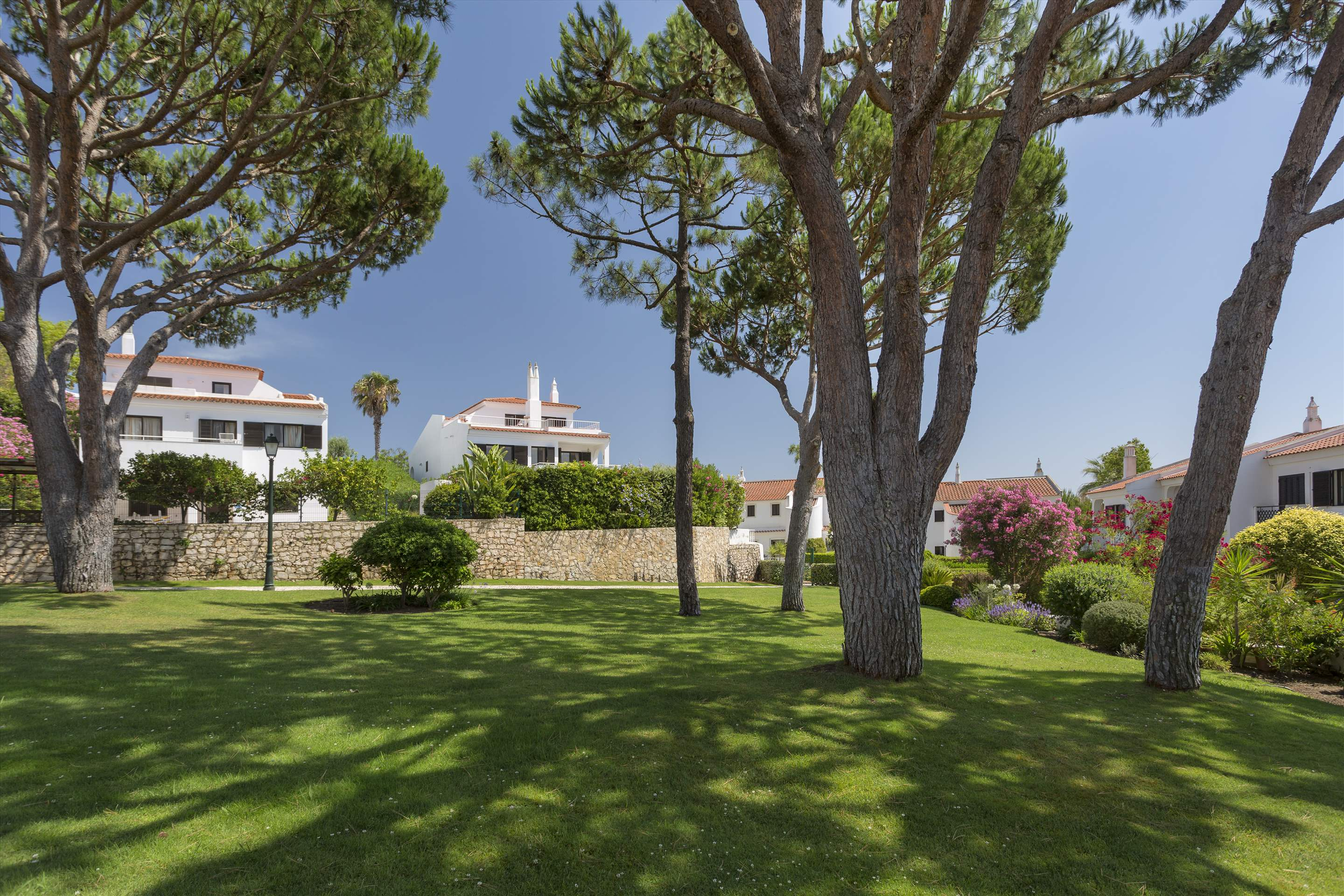 Villa Xavier, 3 bedroom villa in Quinta do Lago, Algarve Photo #15
