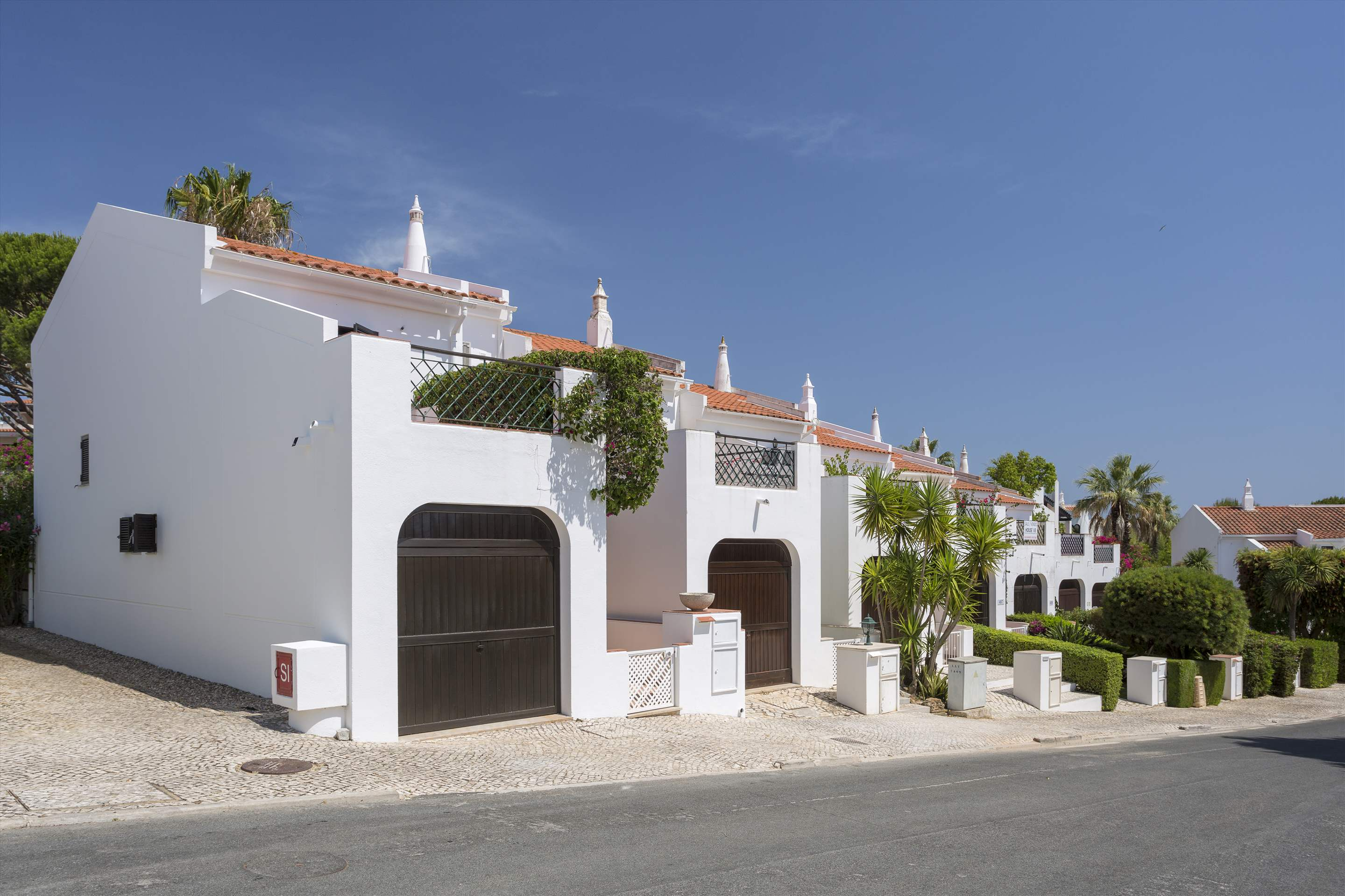 Villa Xavier, 3 bedroom villa in Quinta do Lago, Algarve Photo #19