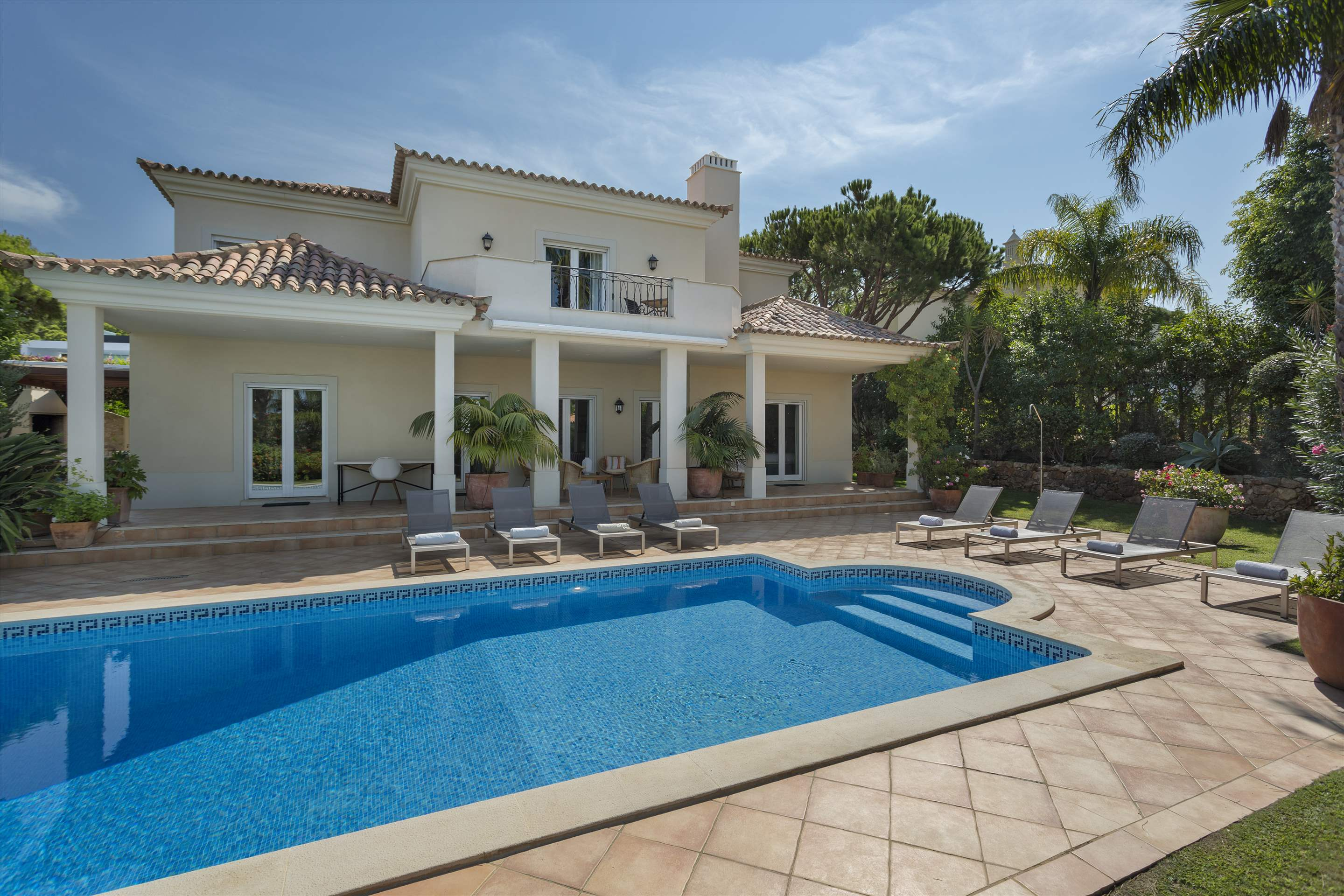 Villa Liza, 4 bedroom villa in Vale do Lobo, Algarve