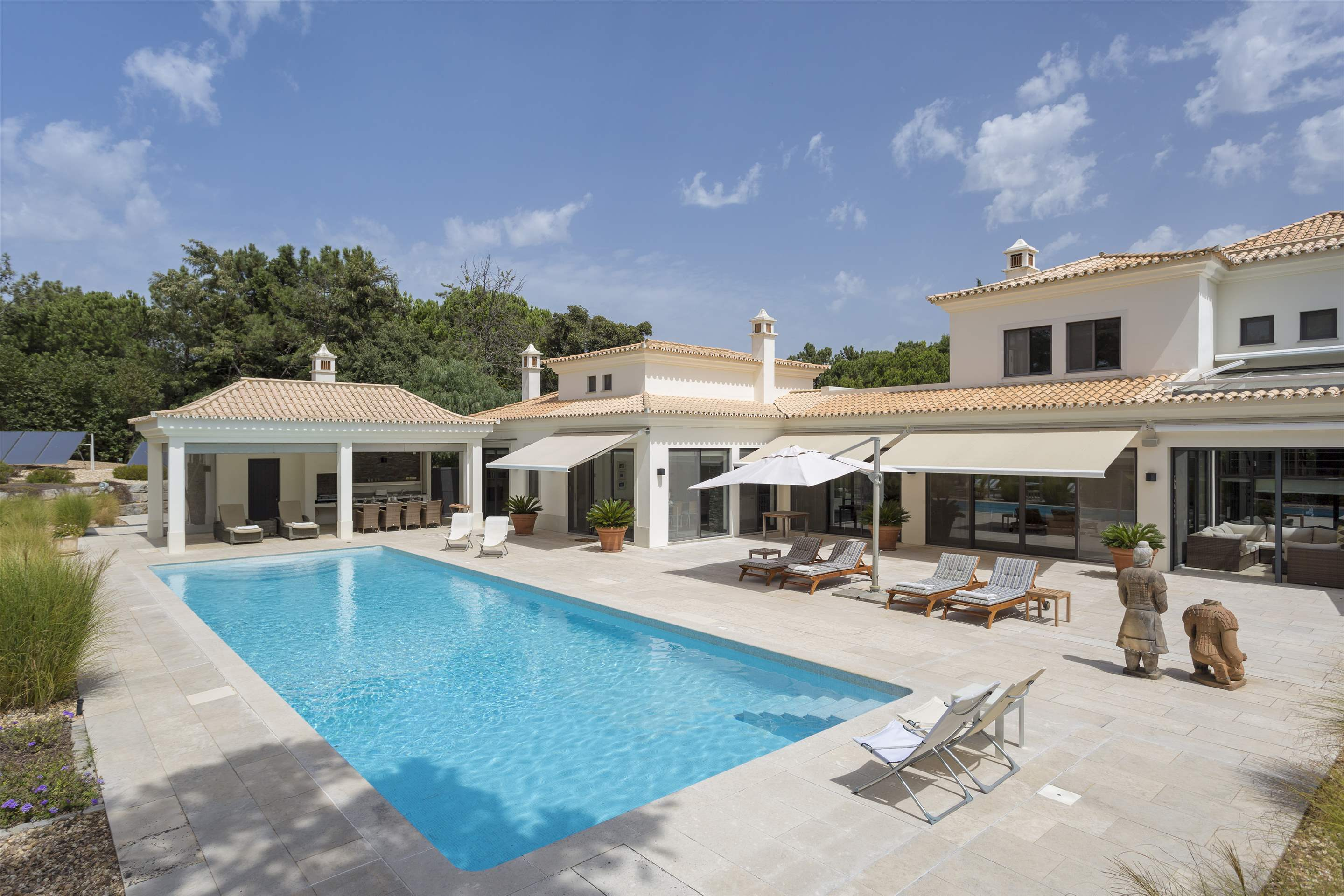 Casa Jacaranda, 5 bedroom villa in Quinta do Lago, Algarve Photo #1